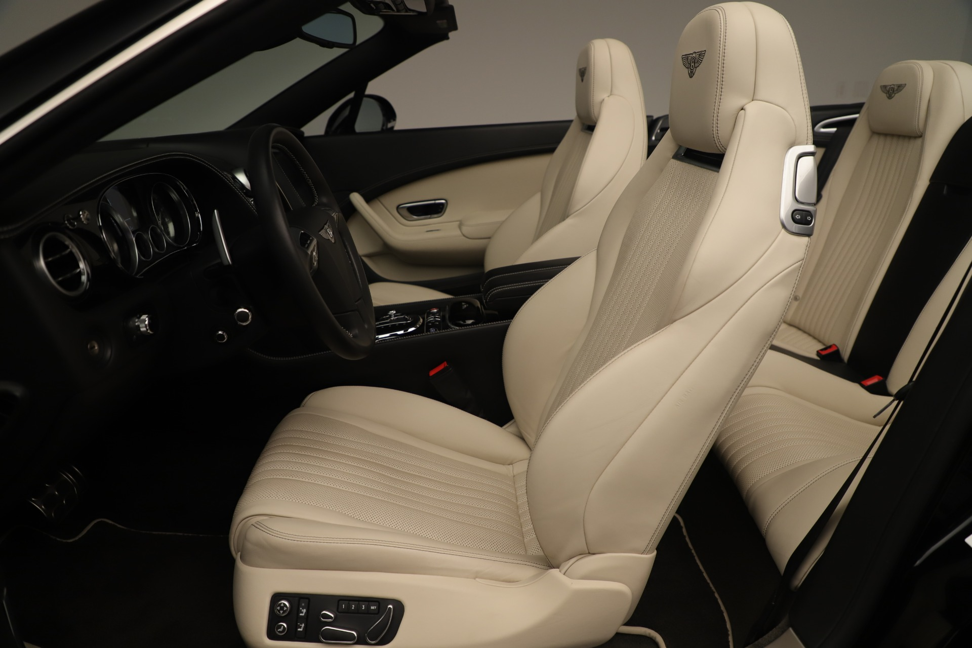 Used 2016 Bentley Continental GT V8 S Convertible  For Sale In Westport, CT 14_p23