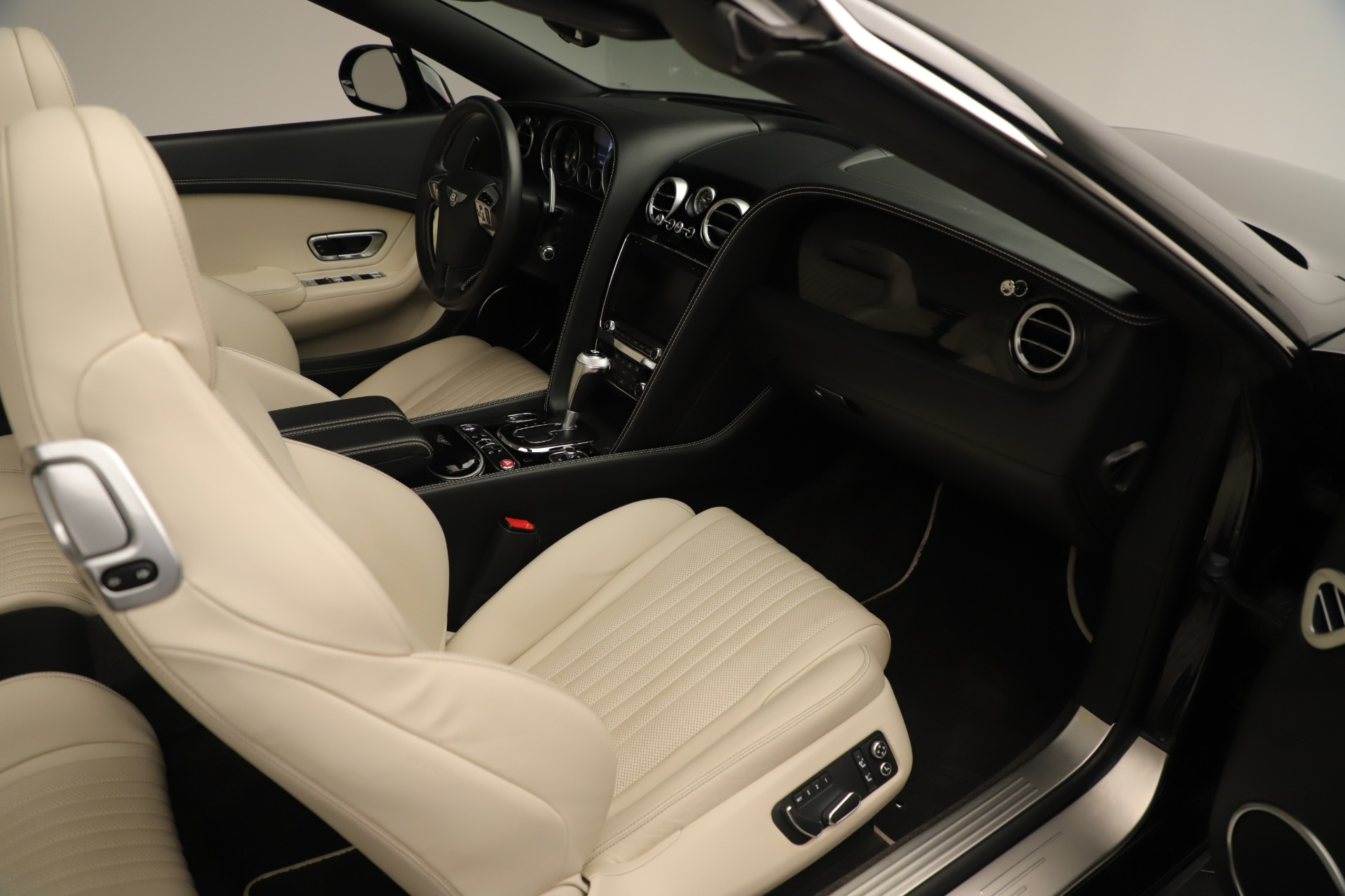 Used 2016 Bentley Continental GT V8 S Convertible  For Sale In Westport, CT 14_p32