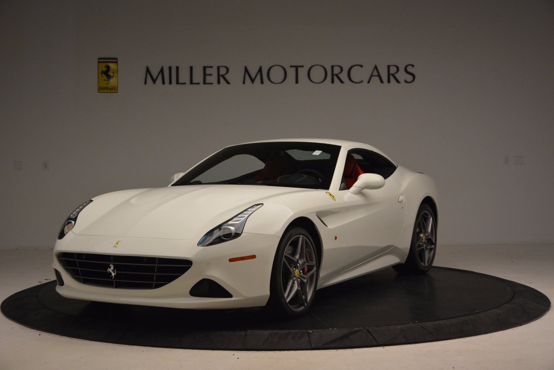 Used 2017 Ferrari California T  For Sale In Westport, CT 1412_p13