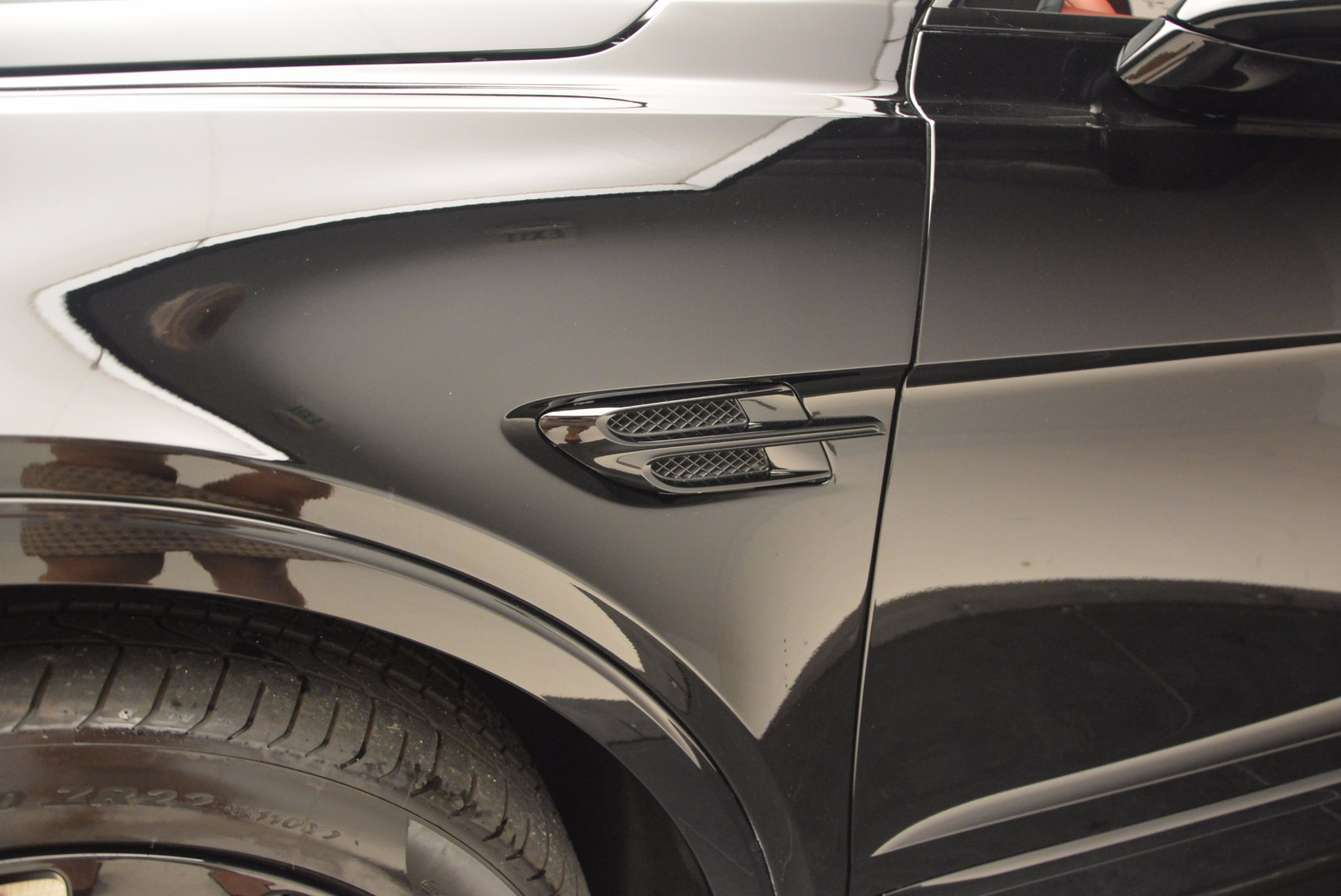 New 2018 Bentley Bentayga Black Edition For Sale In Westport, CT 1418_p21