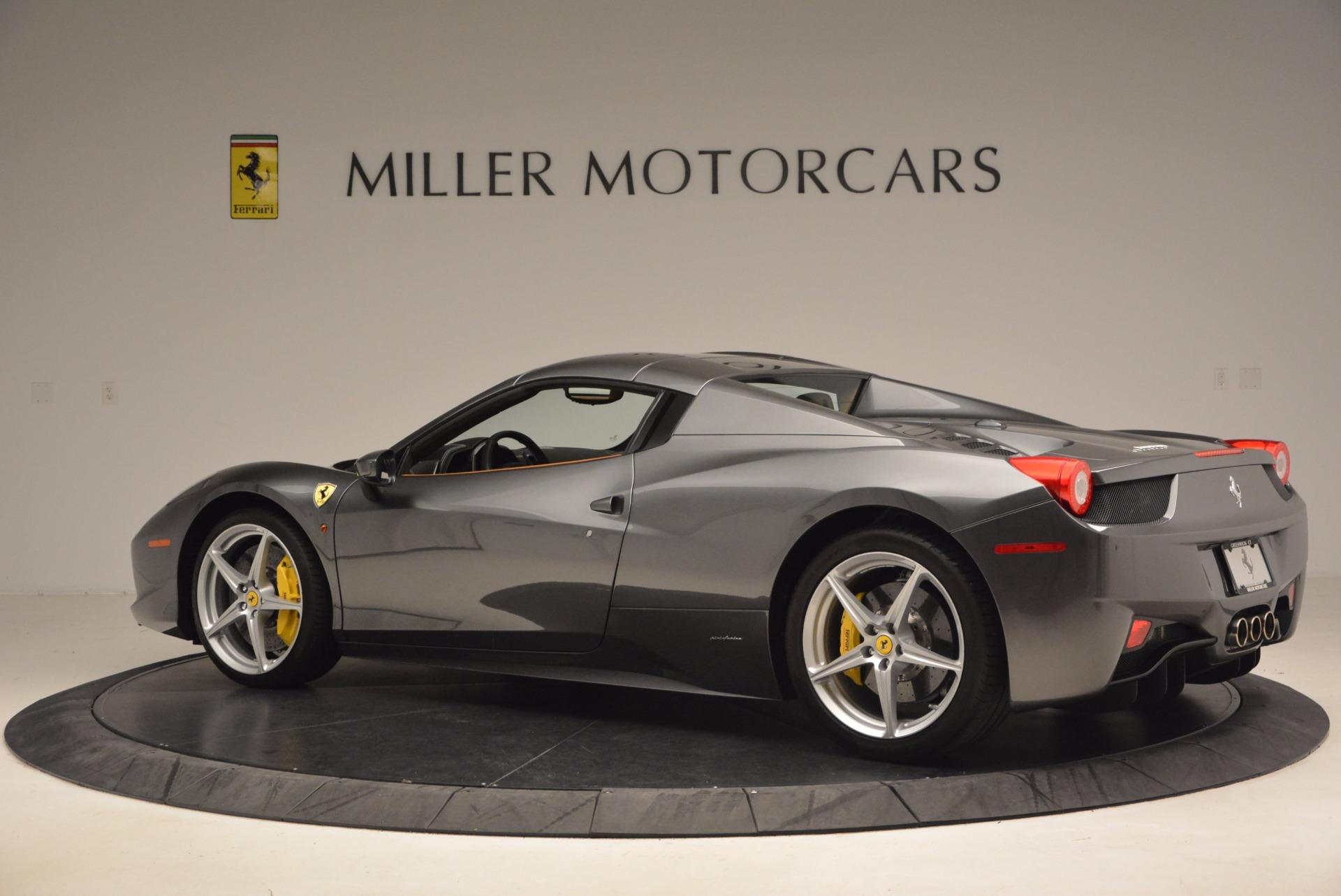 Used 2015 Ferrari 458 Spider  For Sale In Westport, CT 1423_p16