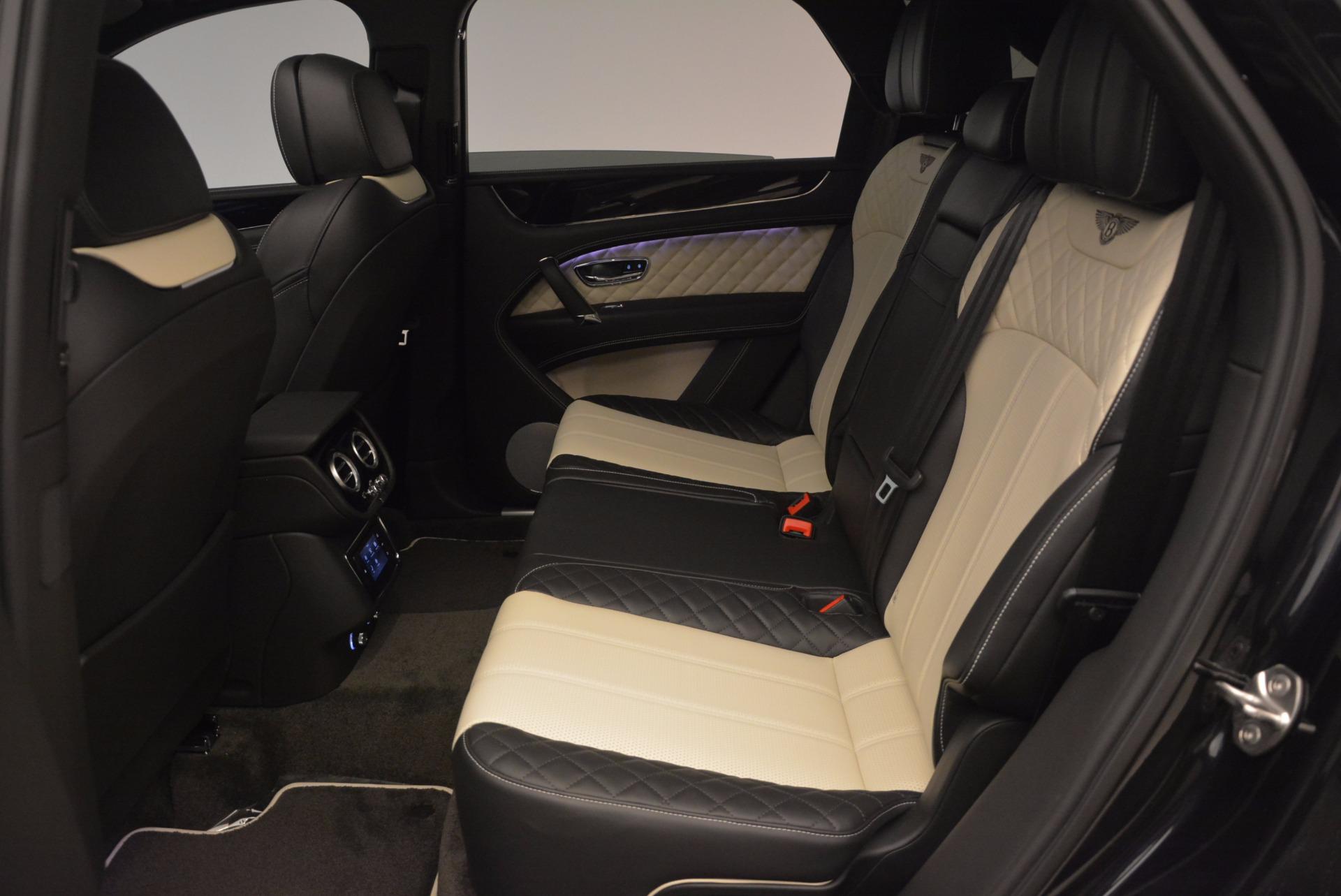New 2018 Bentley Bentayga Signature For Sale In Westport, CT 1424_p32