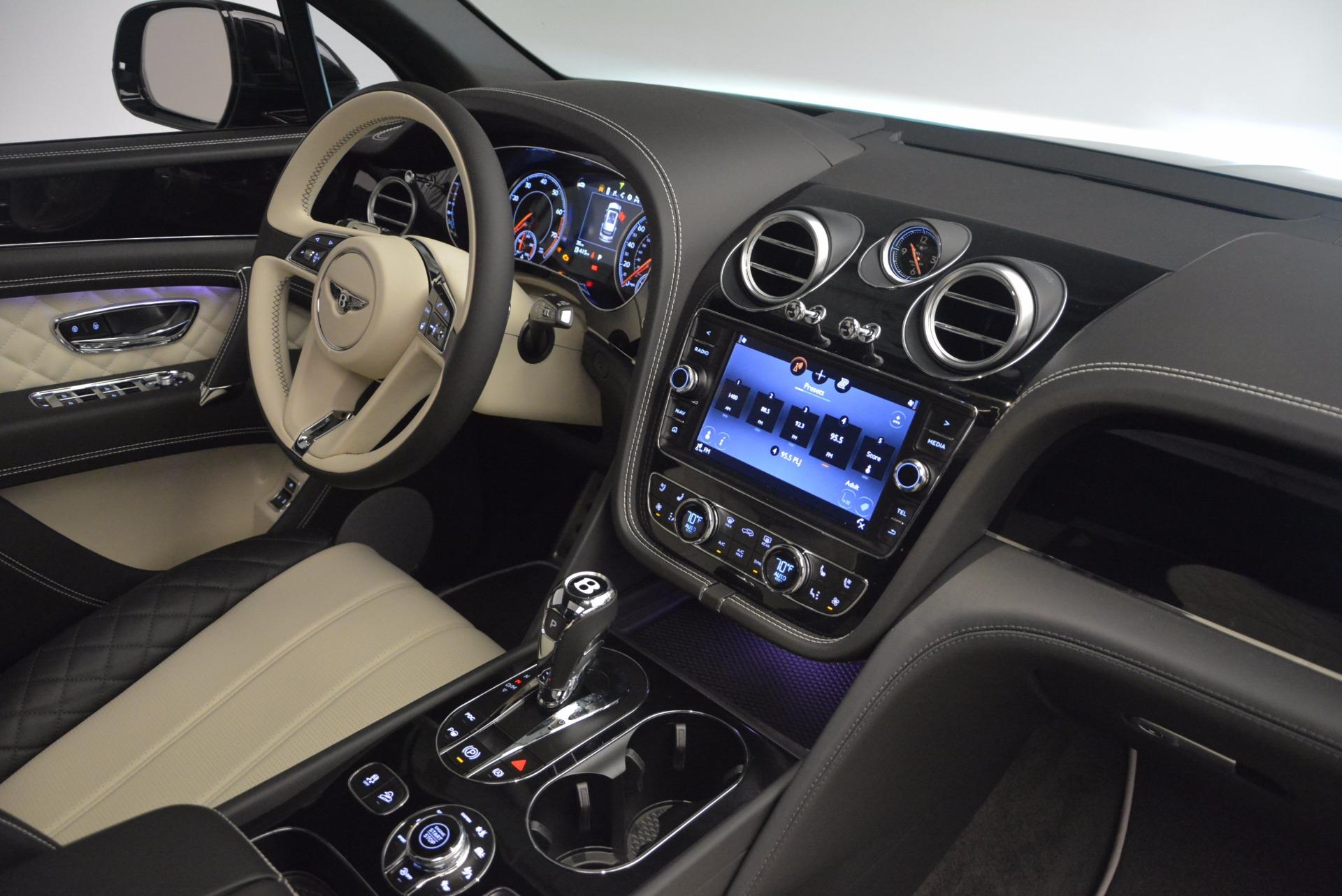 New 2018 Bentley Bentayga Signature For Sale In Westport, CT 1424_p44