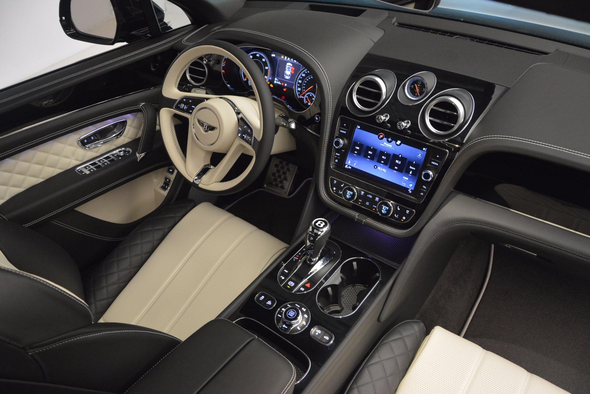 New 2018 Bentley Bentayga Signature For Sale In Westport, CT 1424_p45