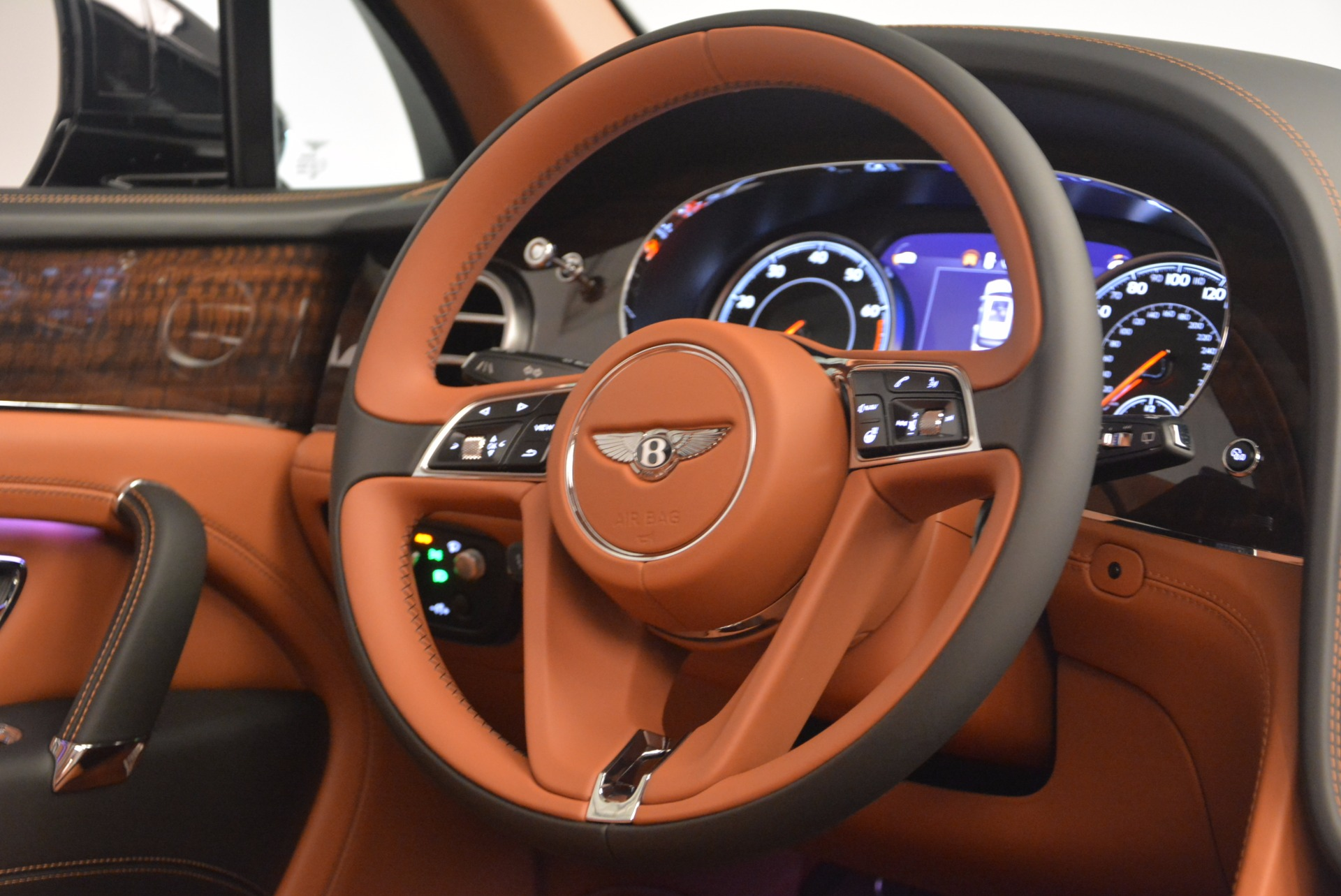 New 2018 Bentley Bentayga Onyx For Sale In Westport, CT 1428_p46