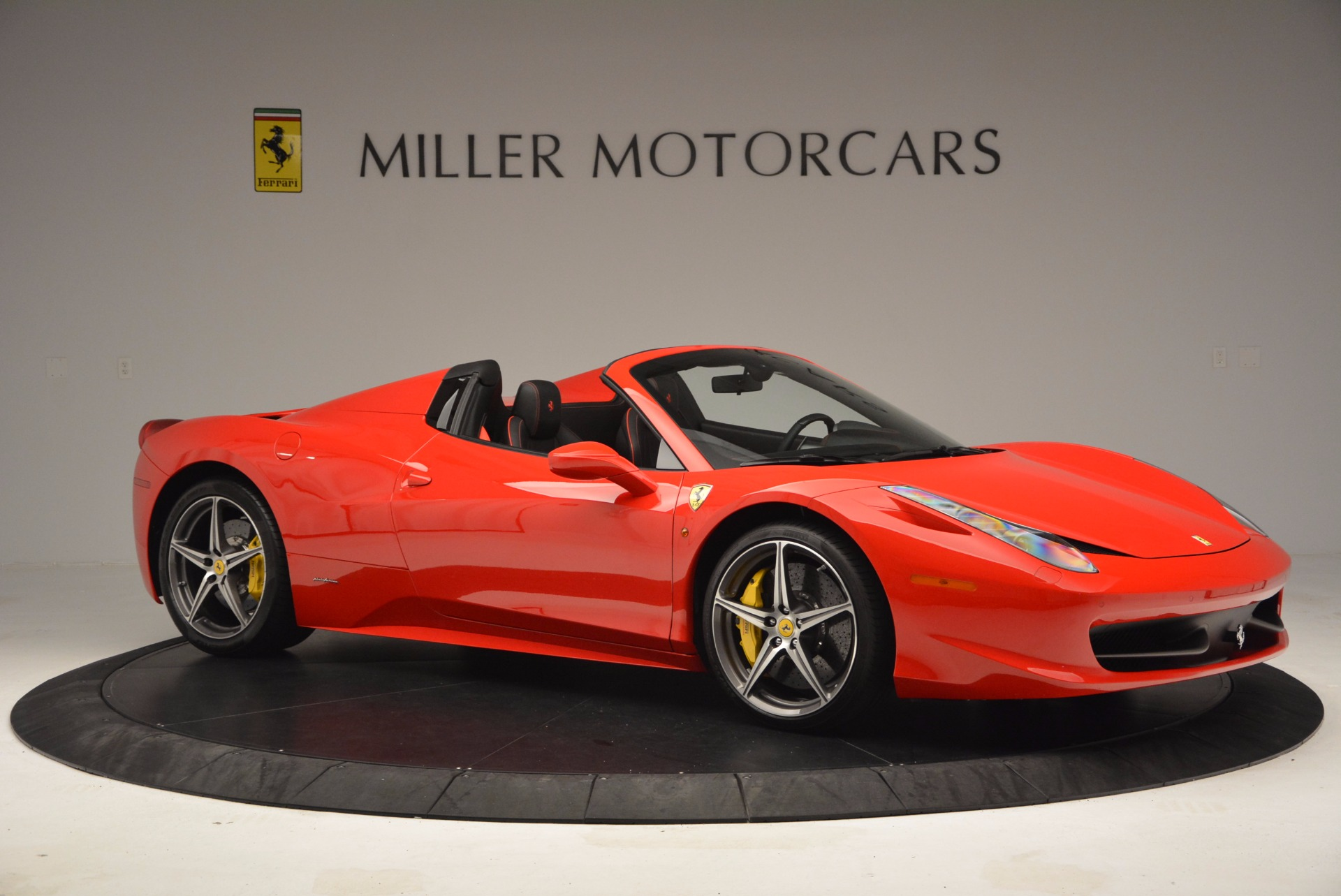 Used 2014 Ferrari 458 Spider  For Sale In Westport, CT 1430_p10