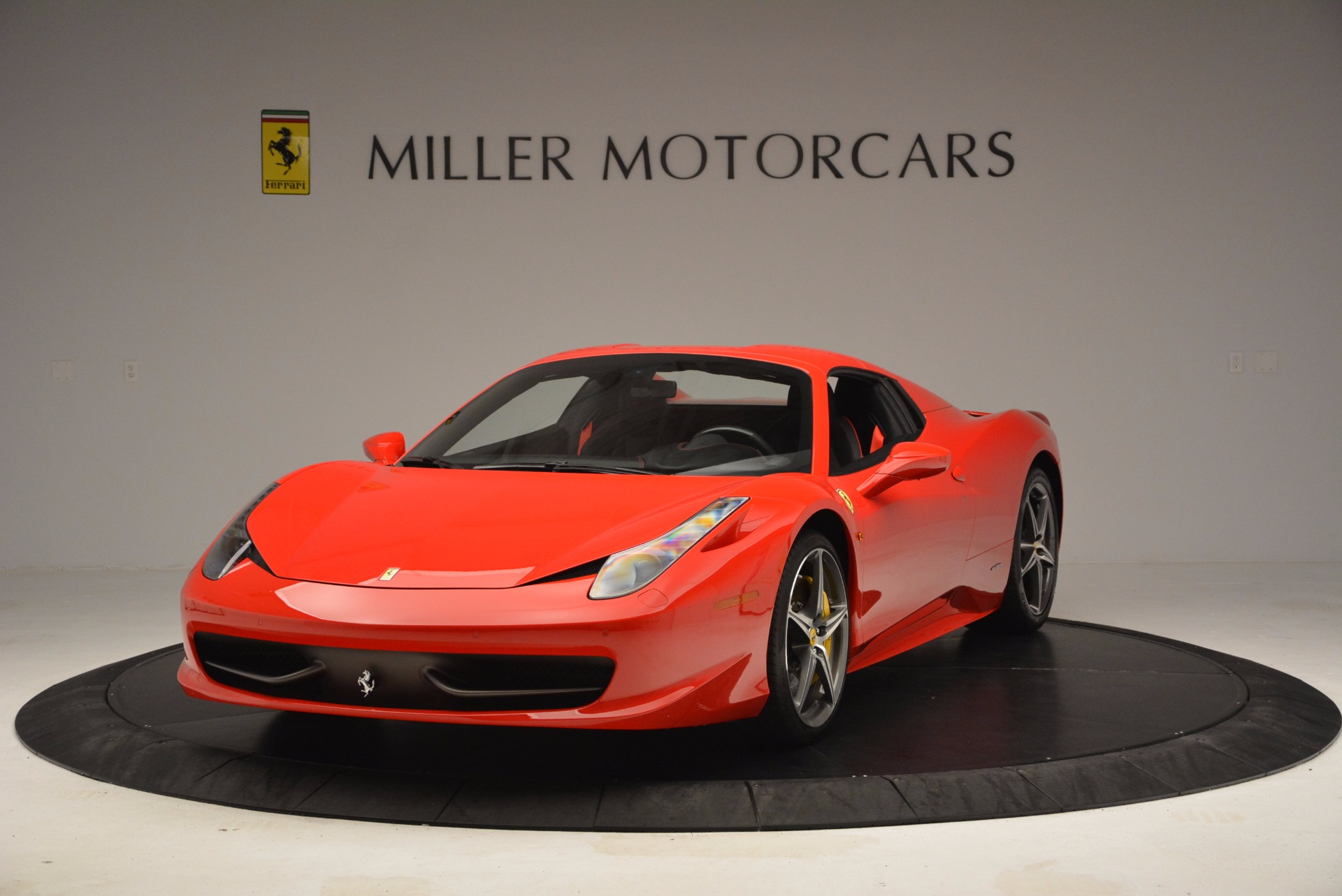 Used 2014 Ferrari 458 Spider  For Sale In Westport, CT 1430_p13