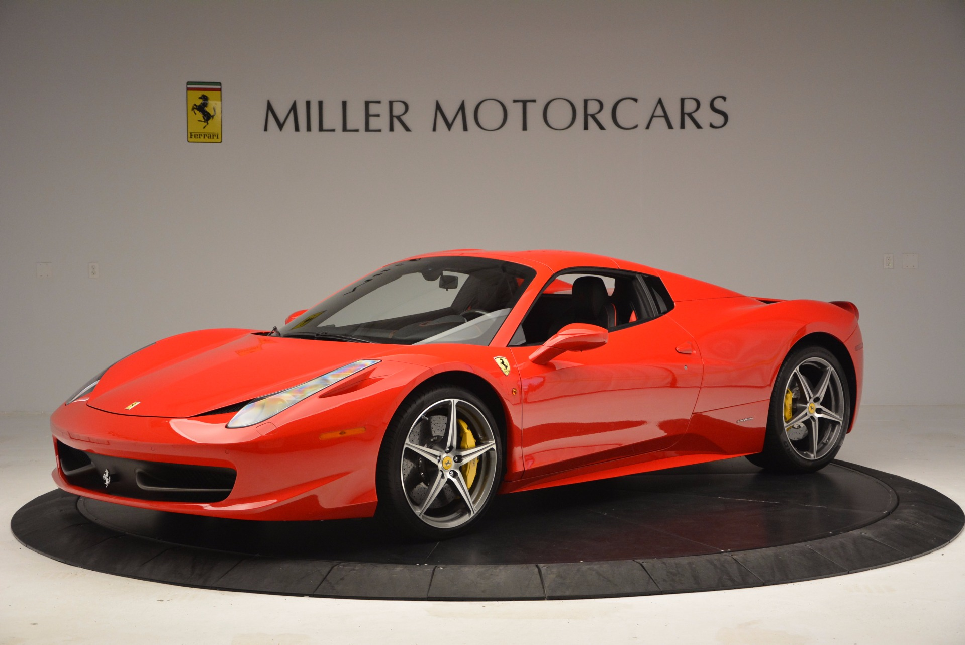 Used 2014 Ferrari 458 Spider  For Sale In Westport, CT 1430_p14