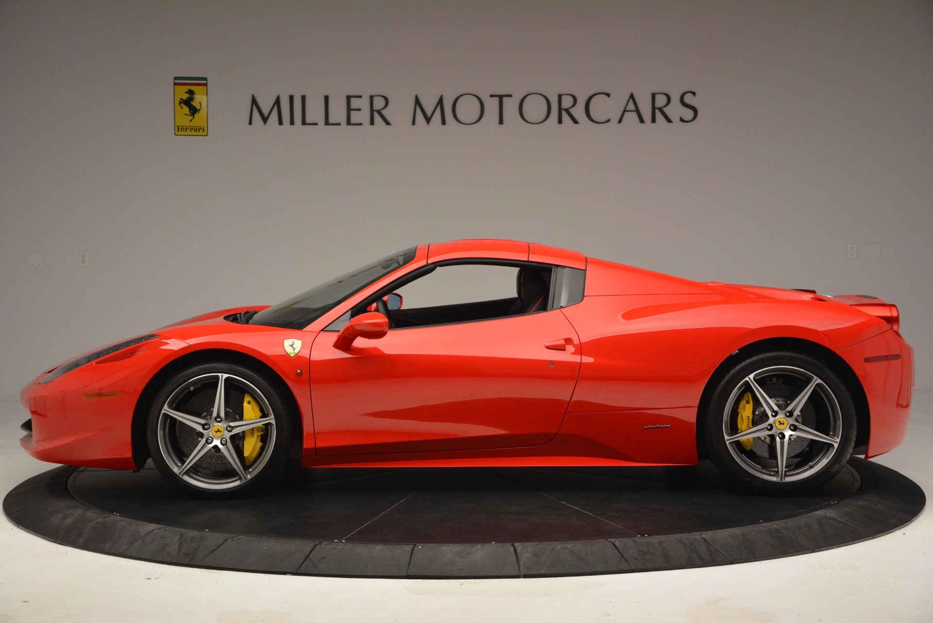Used 2014 Ferrari 458 Spider  For Sale In Westport, CT 1430_p15