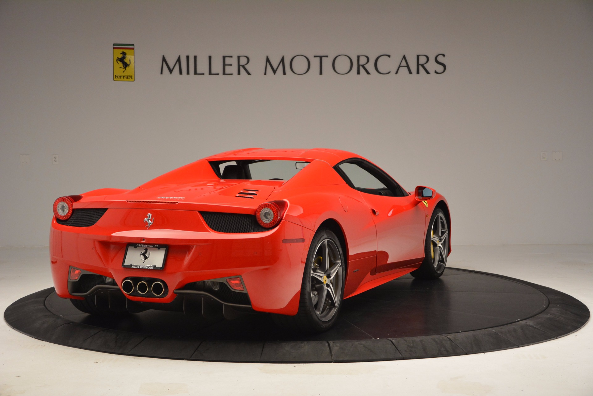 Used 2014 Ferrari 458 Spider  For Sale In Westport, CT 1430_p19