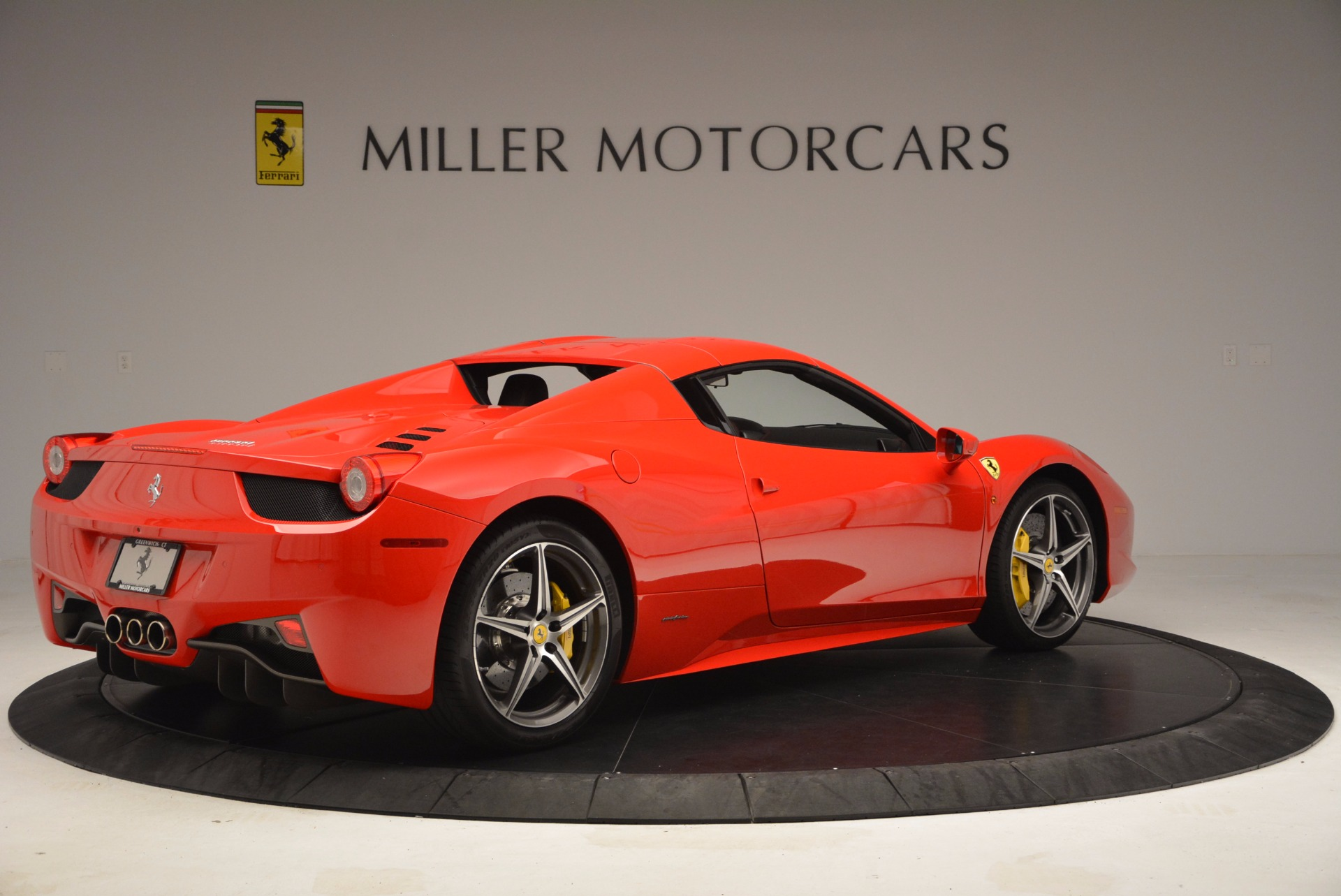 Used 2014 Ferrari 458 Spider  For Sale In Westport, CT 1430_p20