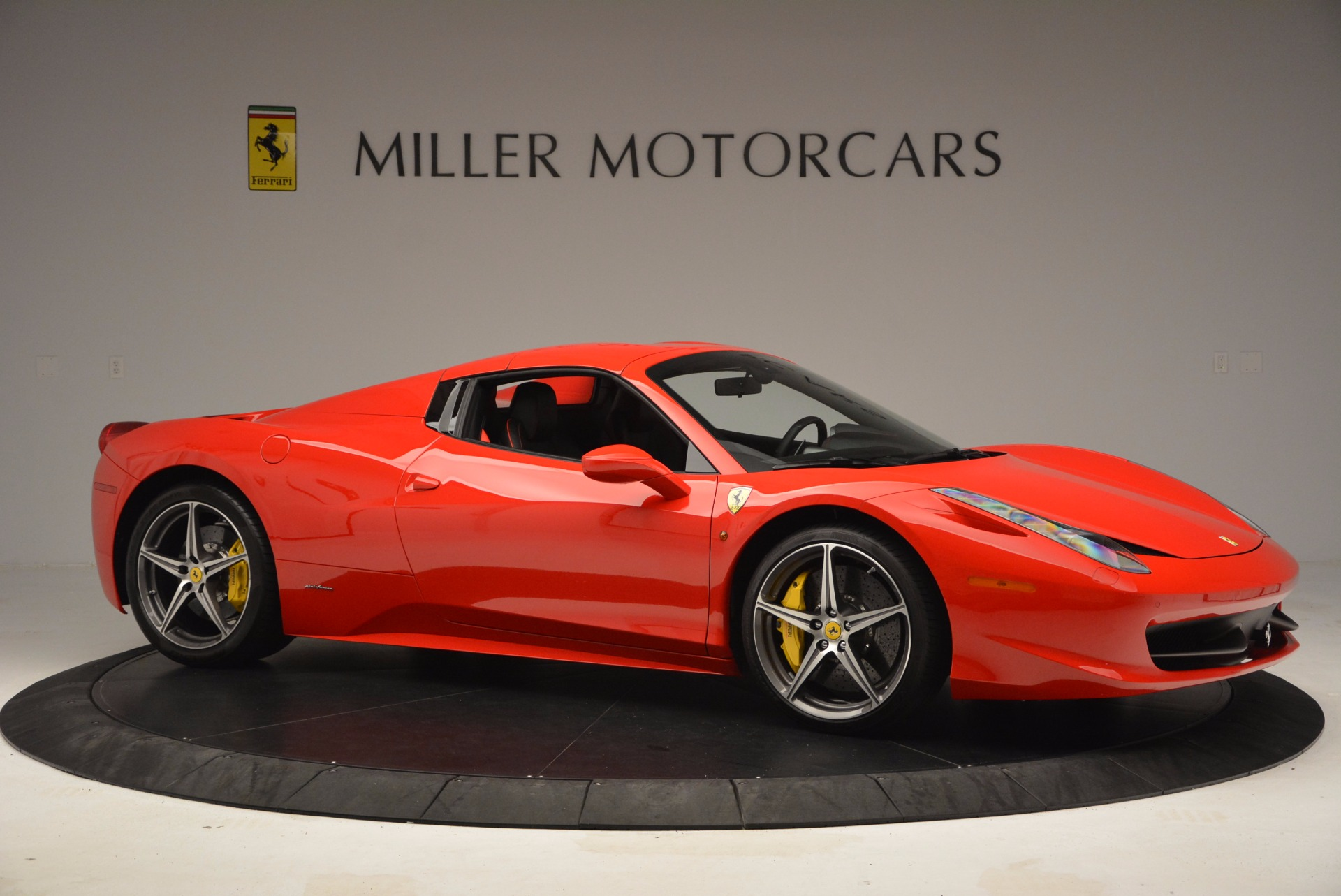Used 2014 Ferrari 458 Spider  For Sale In Westport, CT 1430_p22