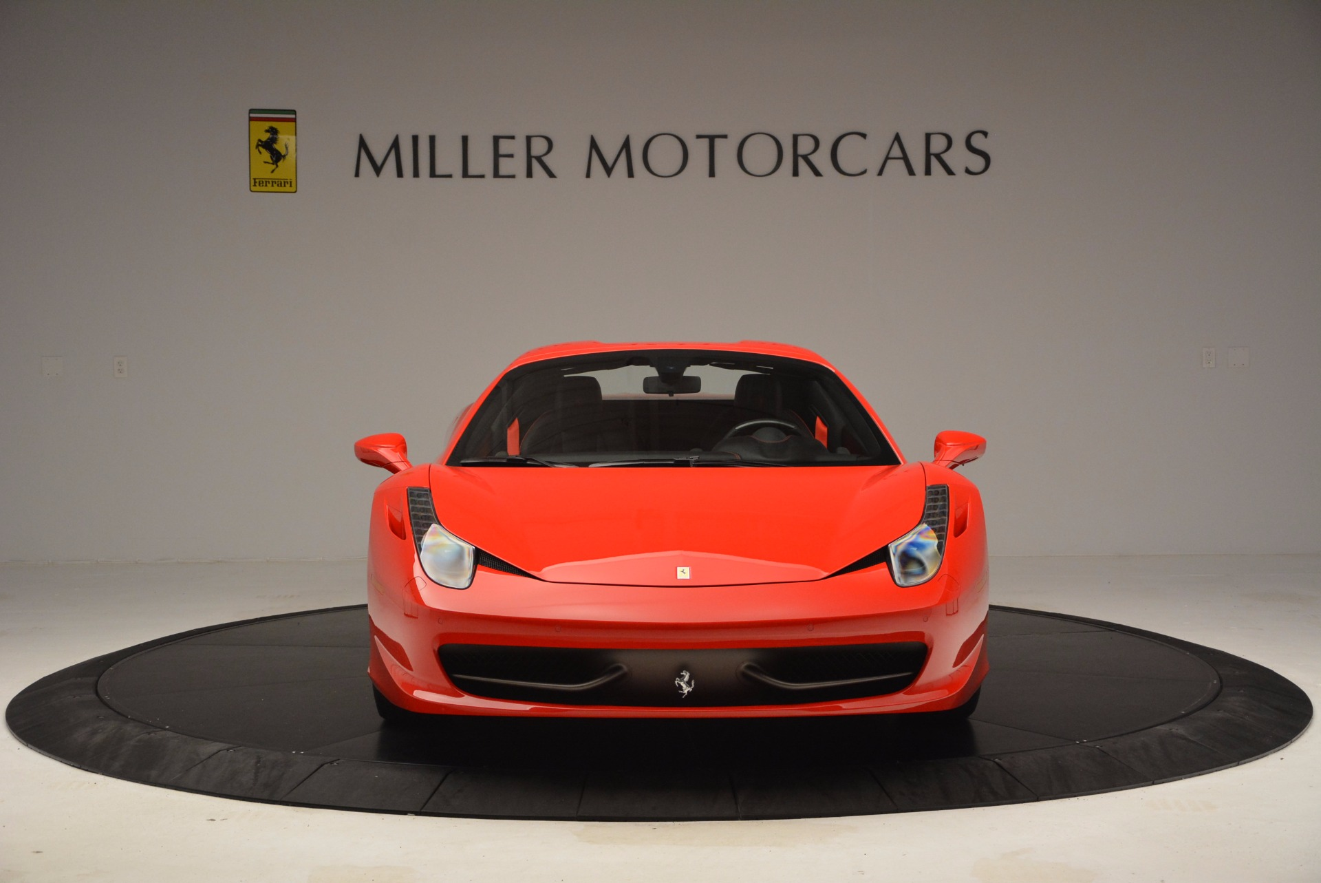 Used 2014 Ferrari 458 Spider  For Sale In Westport, CT 1430_p24