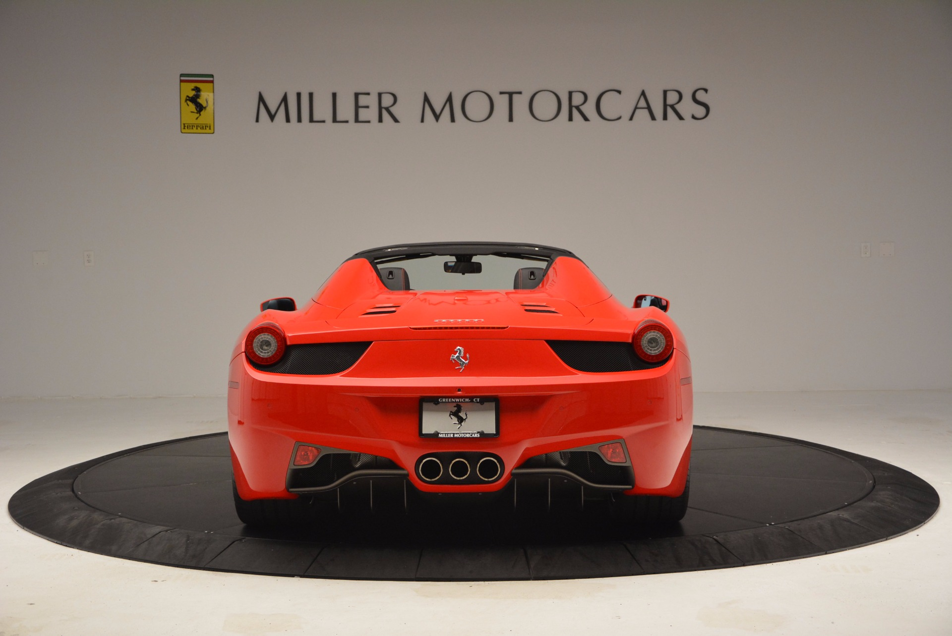 Used 2014 Ferrari 458 Spider  For Sale In Westport, CT 1430_p6