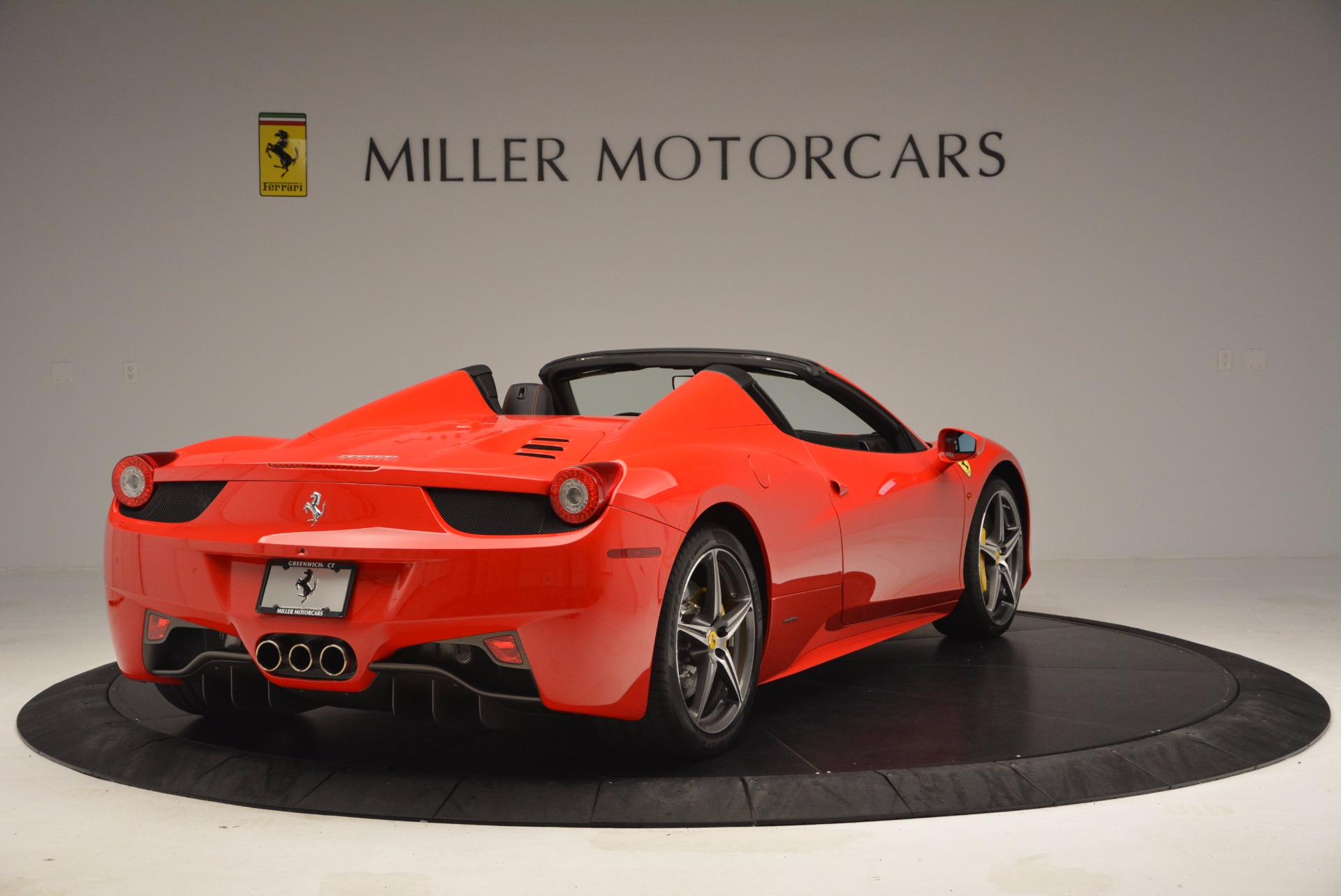Used 2014 Ferrari 458 Spider  For Sale In Westport, CT 1430_p7