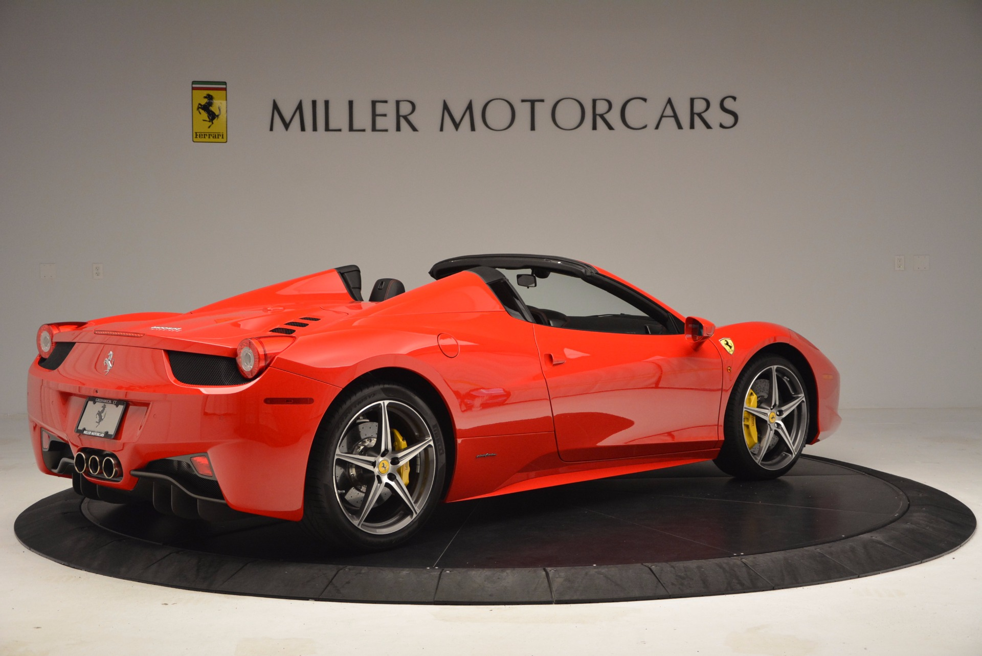Used 2014 Ferrari 458 Spider  For Sale In Westport, CT 1430_p8