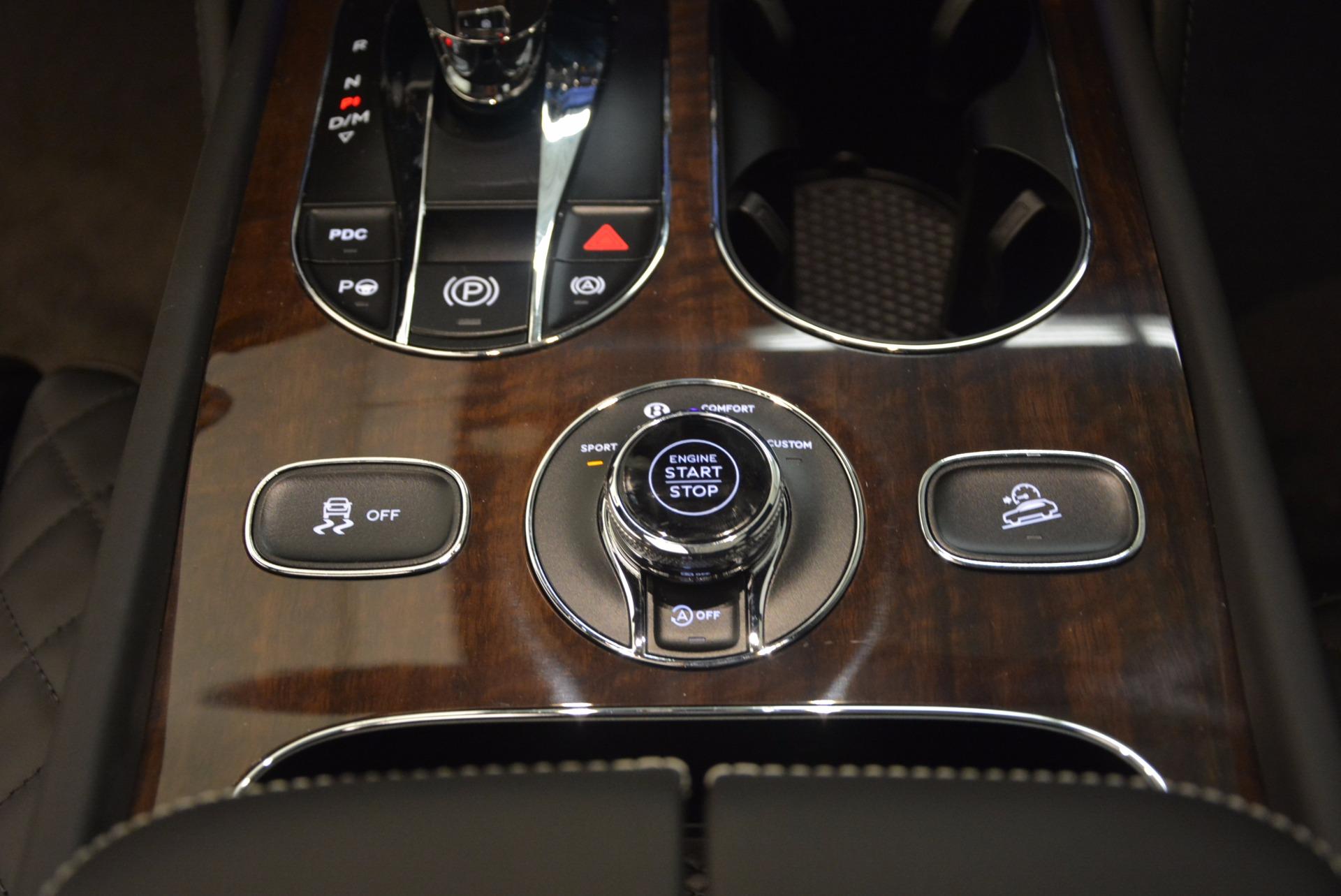 New 2018 Bentley Bentayga Black Edition For Sale In Westport, CT 1431_p32