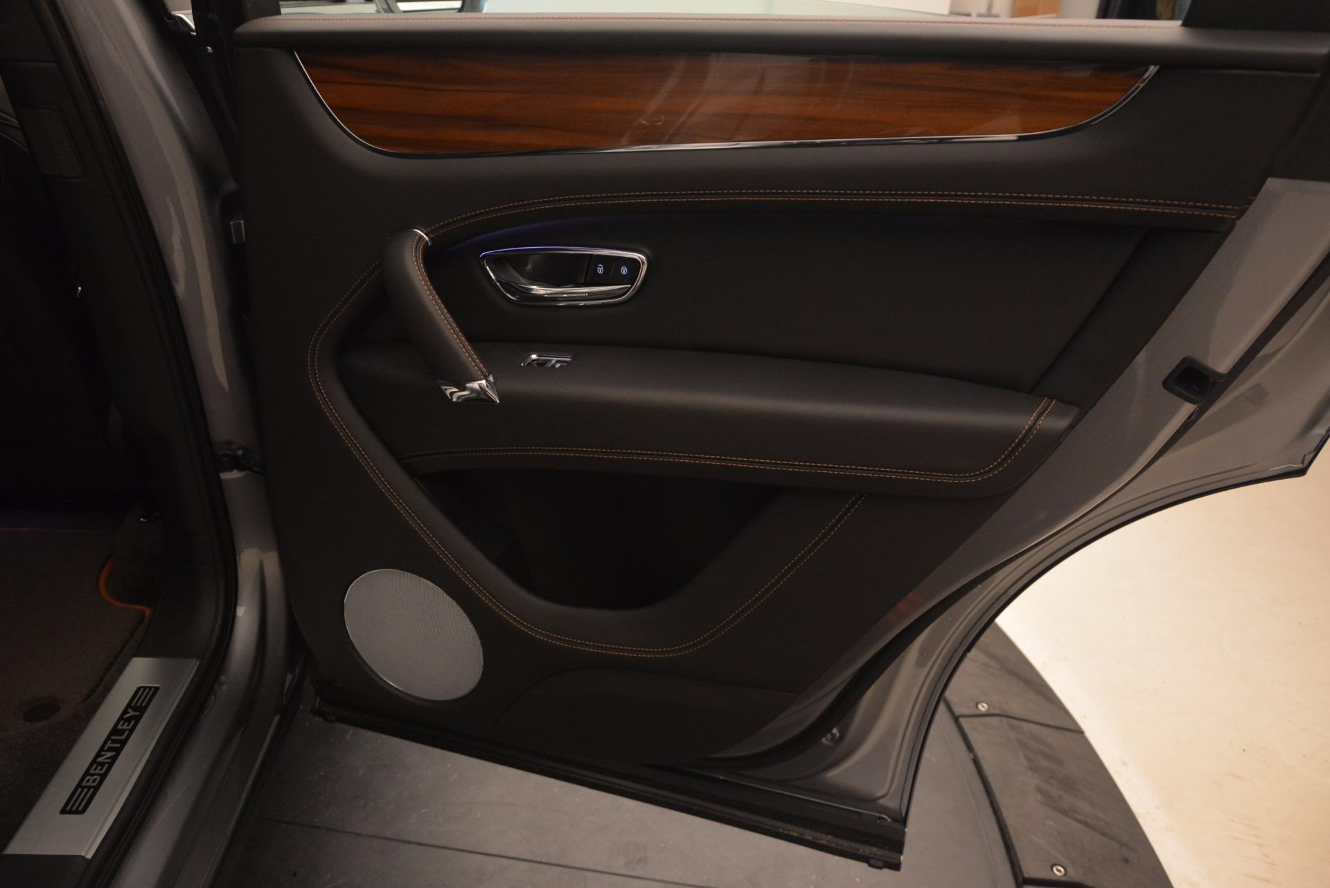 New 2018 Bentley Bentayga Onyx For Sale In Westport, CT 1446_p35