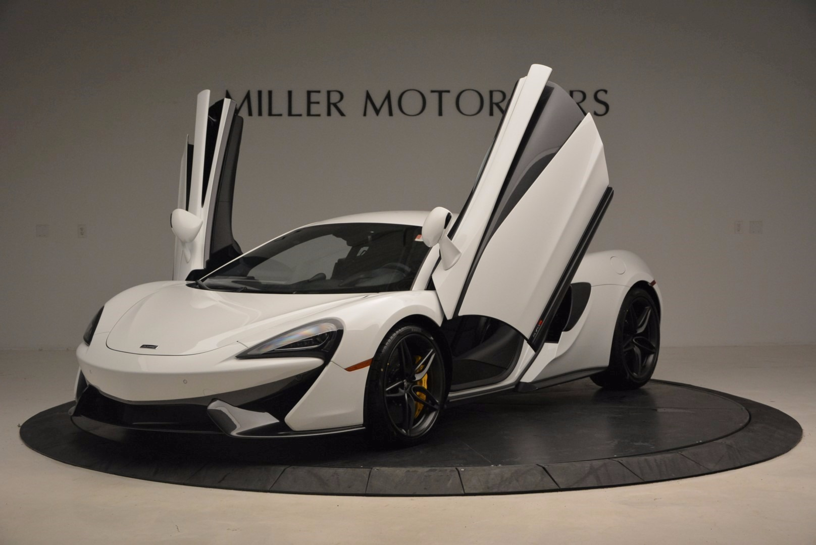 New 2017 McLaren 570S  For Sale In Westport, CT 1452_p14