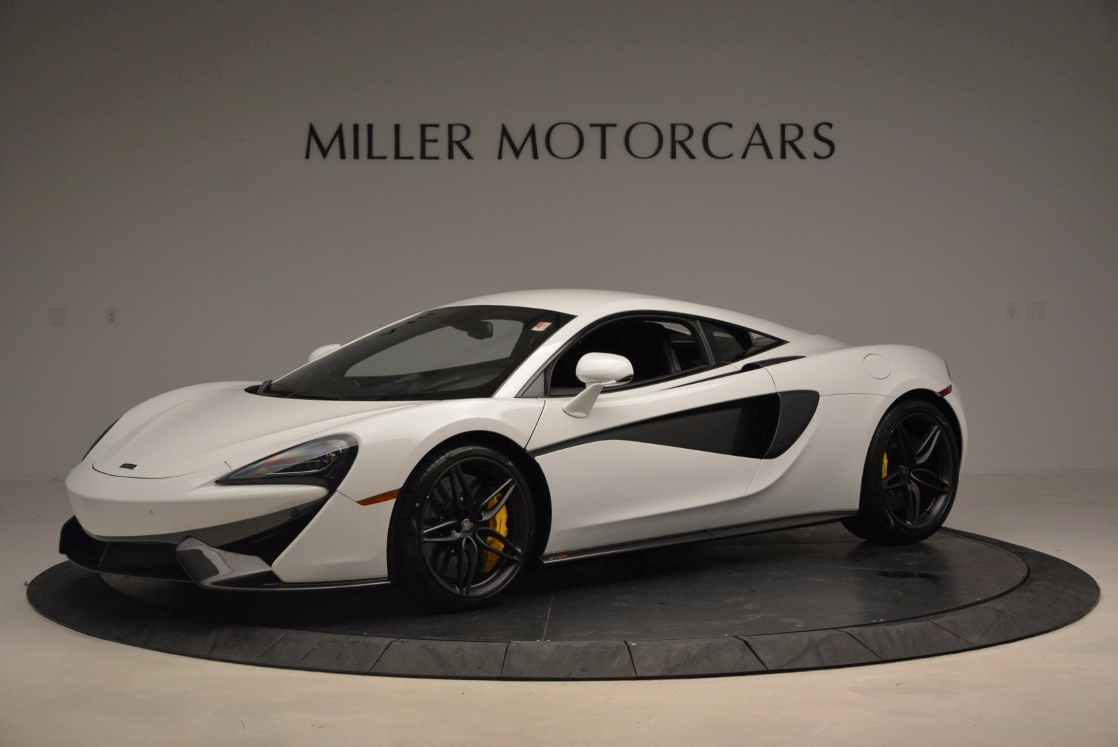 New 2017 McLaren 570S  For Sale In Westport, CT 1452_p2