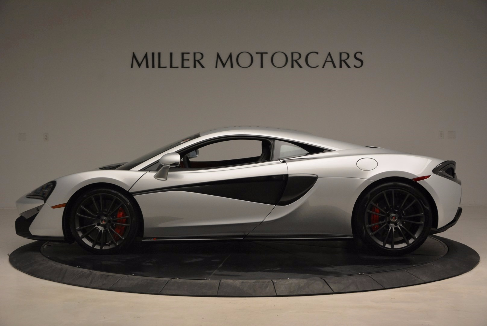 Used 2017 McLaren 570S  For Sale In Westport, CT 1453_p3