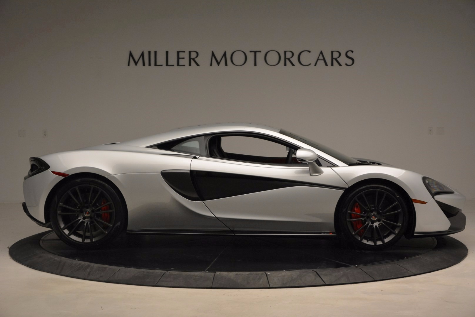 Used 2017 McLaren 570S  For Sale In Westport, CT 1453_p9