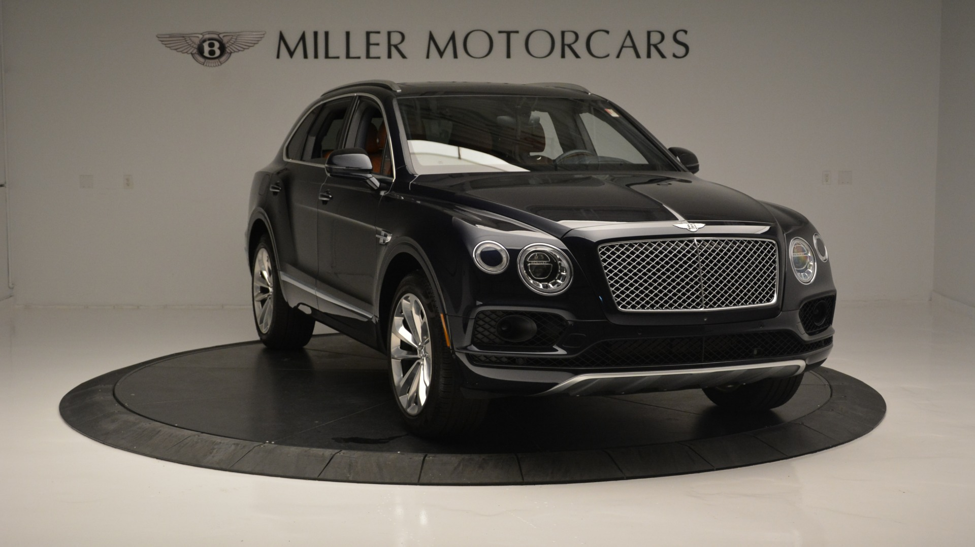 Used 2018 Bentley Bentayga W12 Signature For Sale In Westport, CT 1468_p11