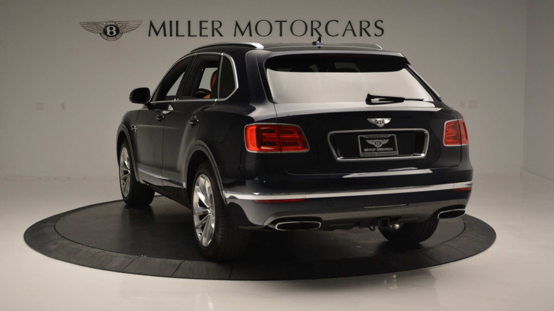 Used 2018 Bentley Bentayga W12 Signature For Sale In Westport, CT 1468_p5