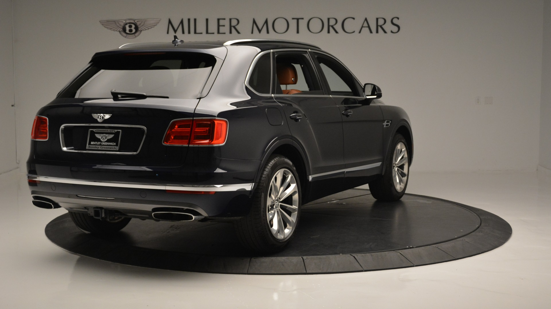 Used 2018 Bentley Bentayga W12 Signature For Sale In Westport, CT 1468_p7