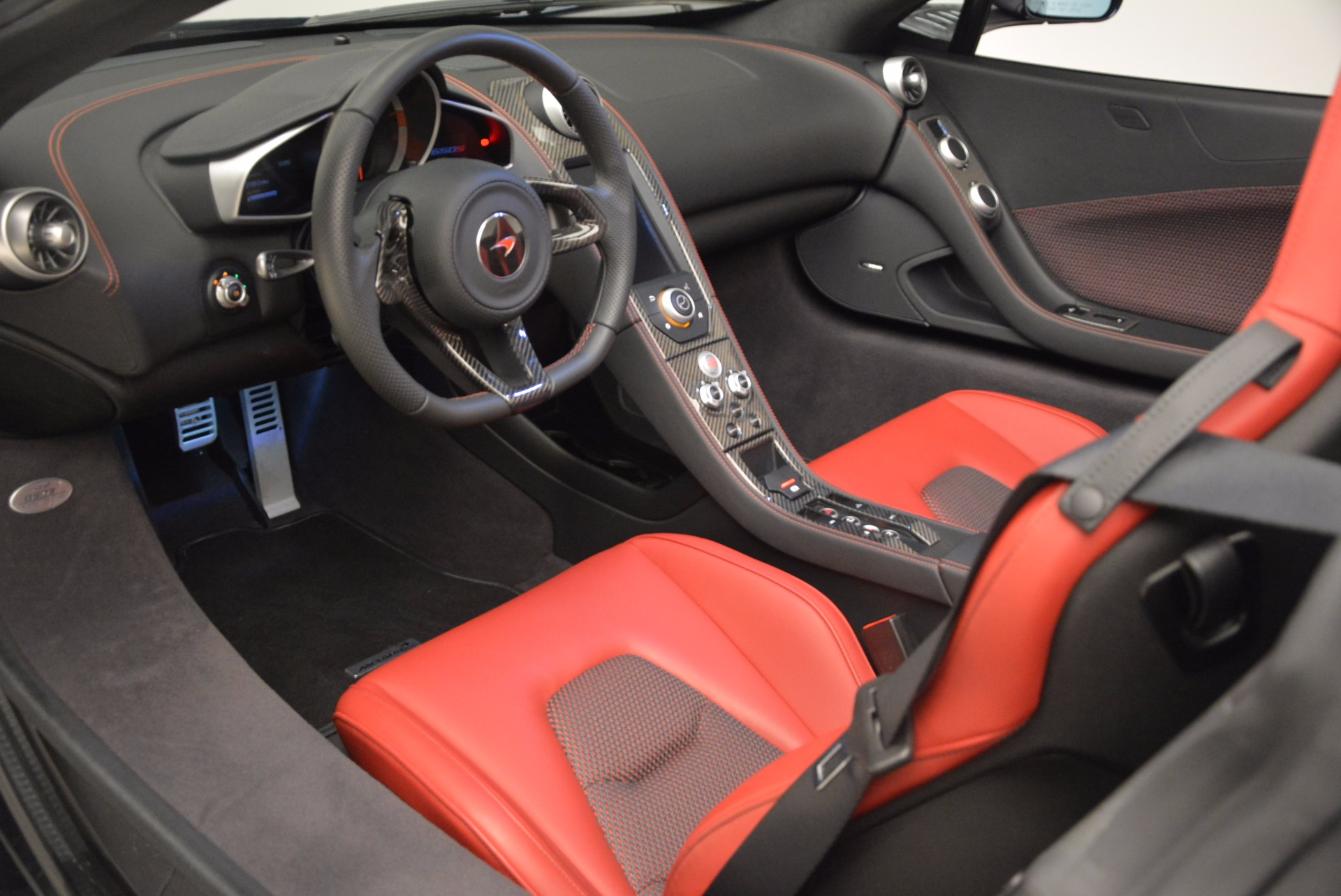 Used 2015 McLaren 650S Spider  For Sale In Westport, CT 1480_p27