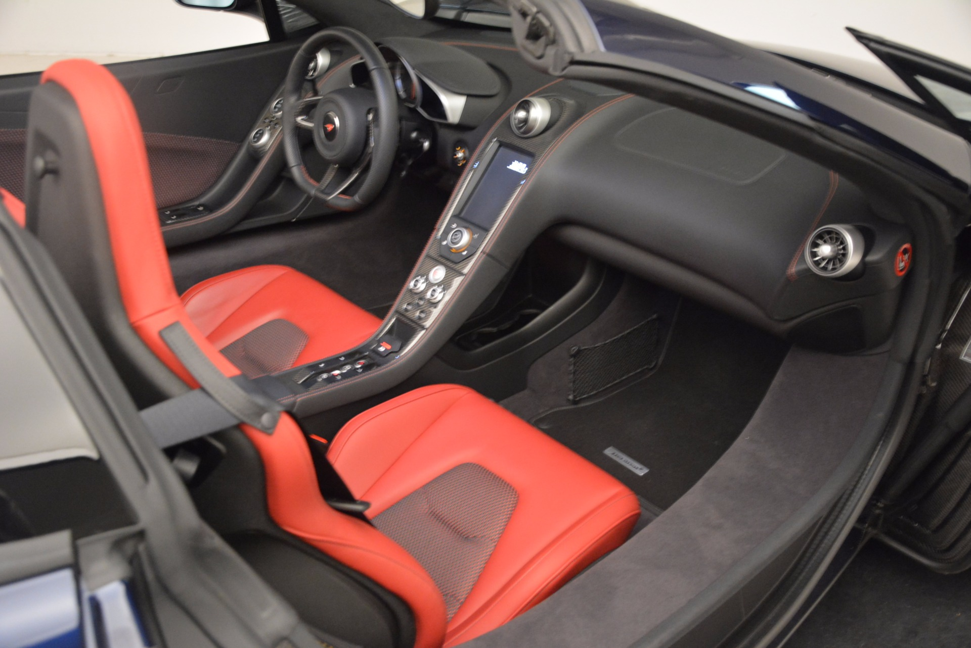 Used 2015 McLaren 650S Spider  For Sale In Westport, CT 1480_p31