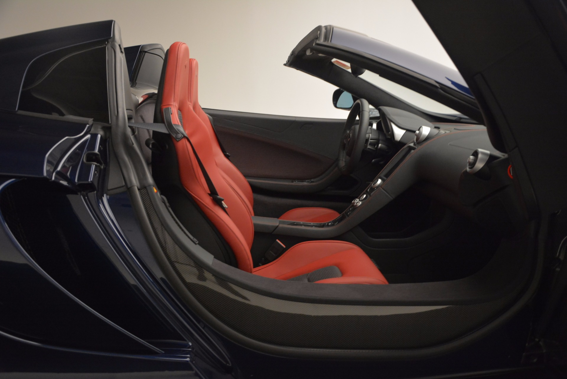 Used 2015 McLaren 650S Spider  For Sale In Westport, CT 1480_p32