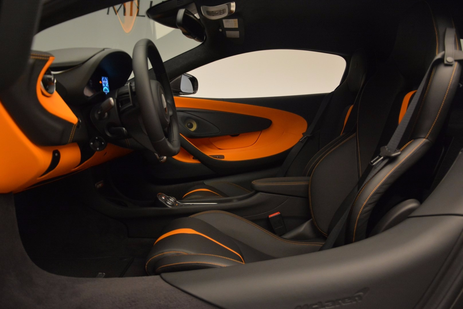 Used 2016 McLaren 570S  For Sale In Westport, CT 1498_p16