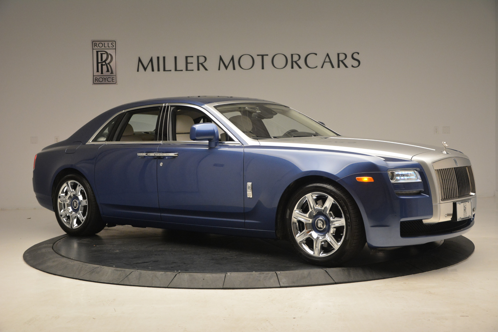 Used 2010 Rolls-Royce Ghost  For Sale In Westport, CT 1504_p12