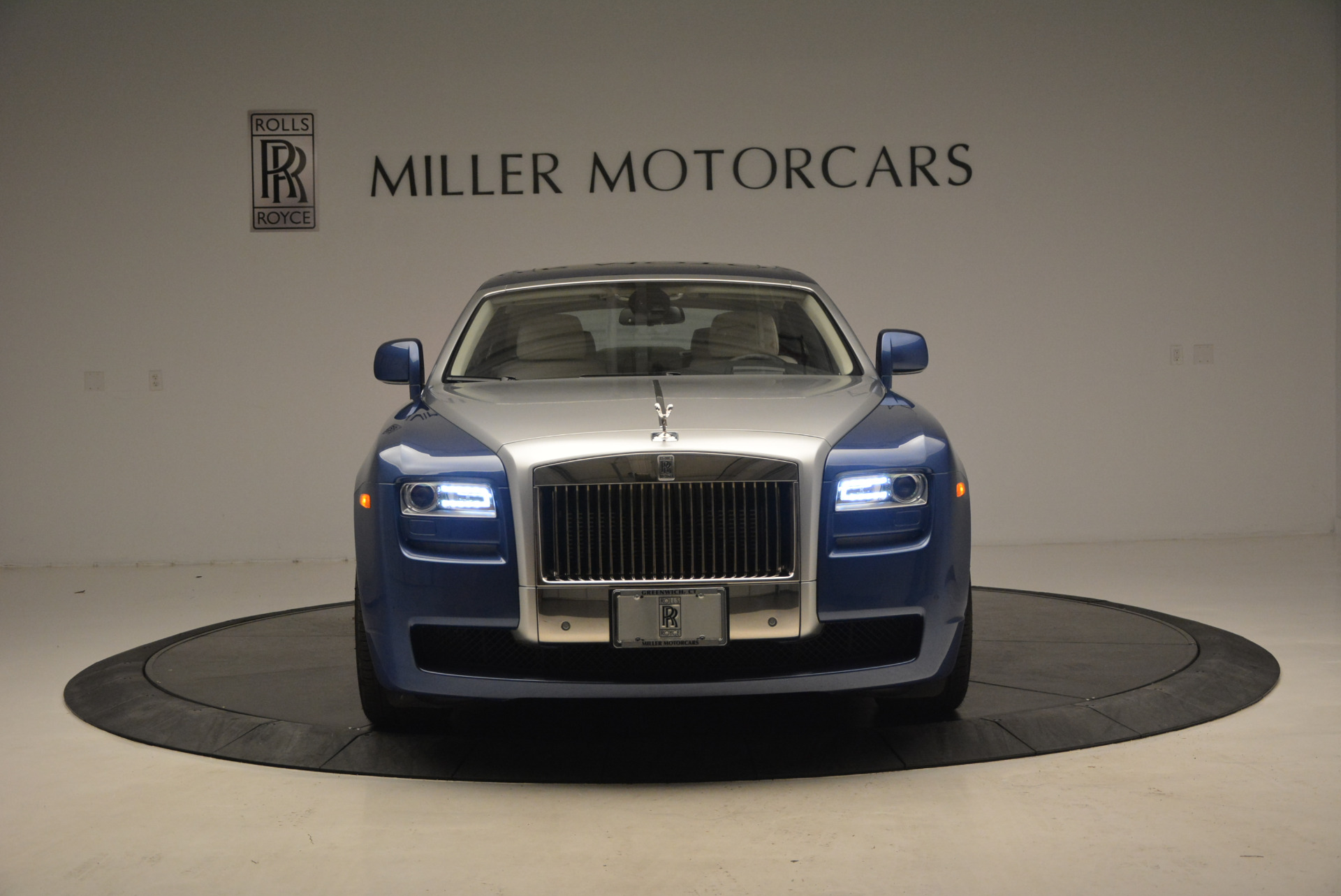 Used 2010 Rolls-Royce Ghost  For Sale In Westport, CT 1504_p2