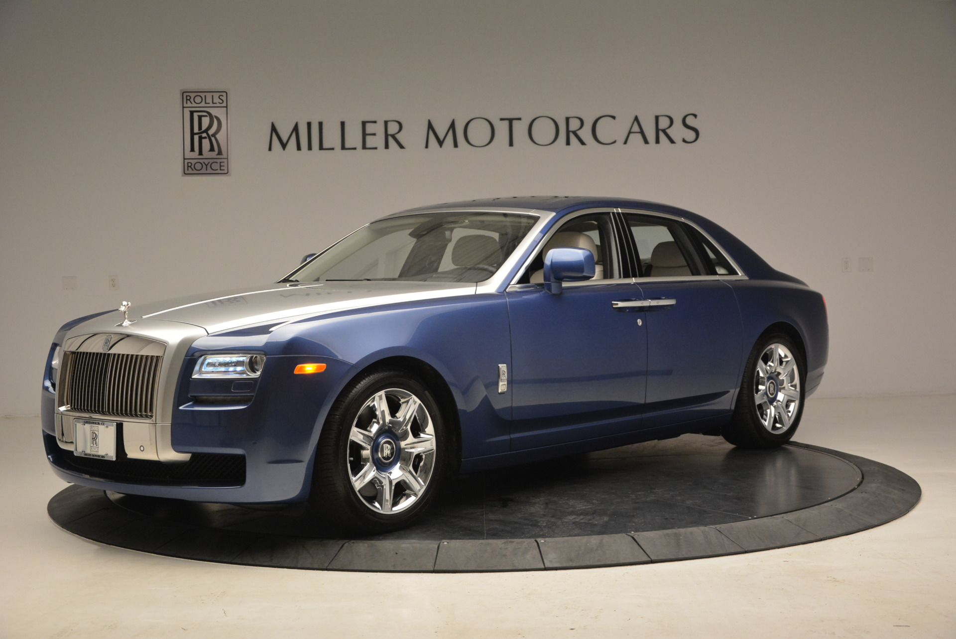 Used 2010 Rolls-Royce Ghost  For Sale In Westport, CT 1504_p3
