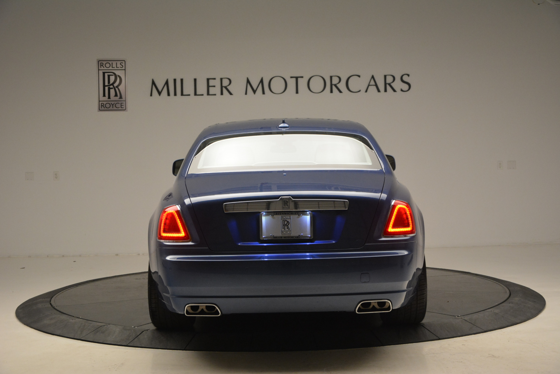 Used 2010 Rolls-Royce Ghost  For Sale In Westport, CT 1504_p7