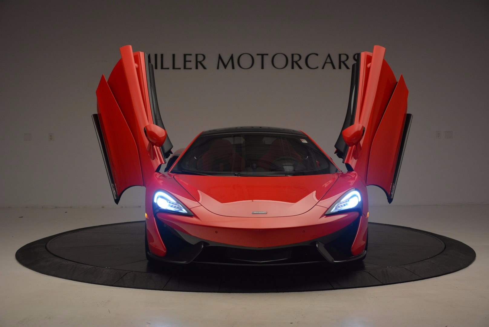 Used 2017 McLaren 570GT  For Sale In Westport, CT 1506_p12