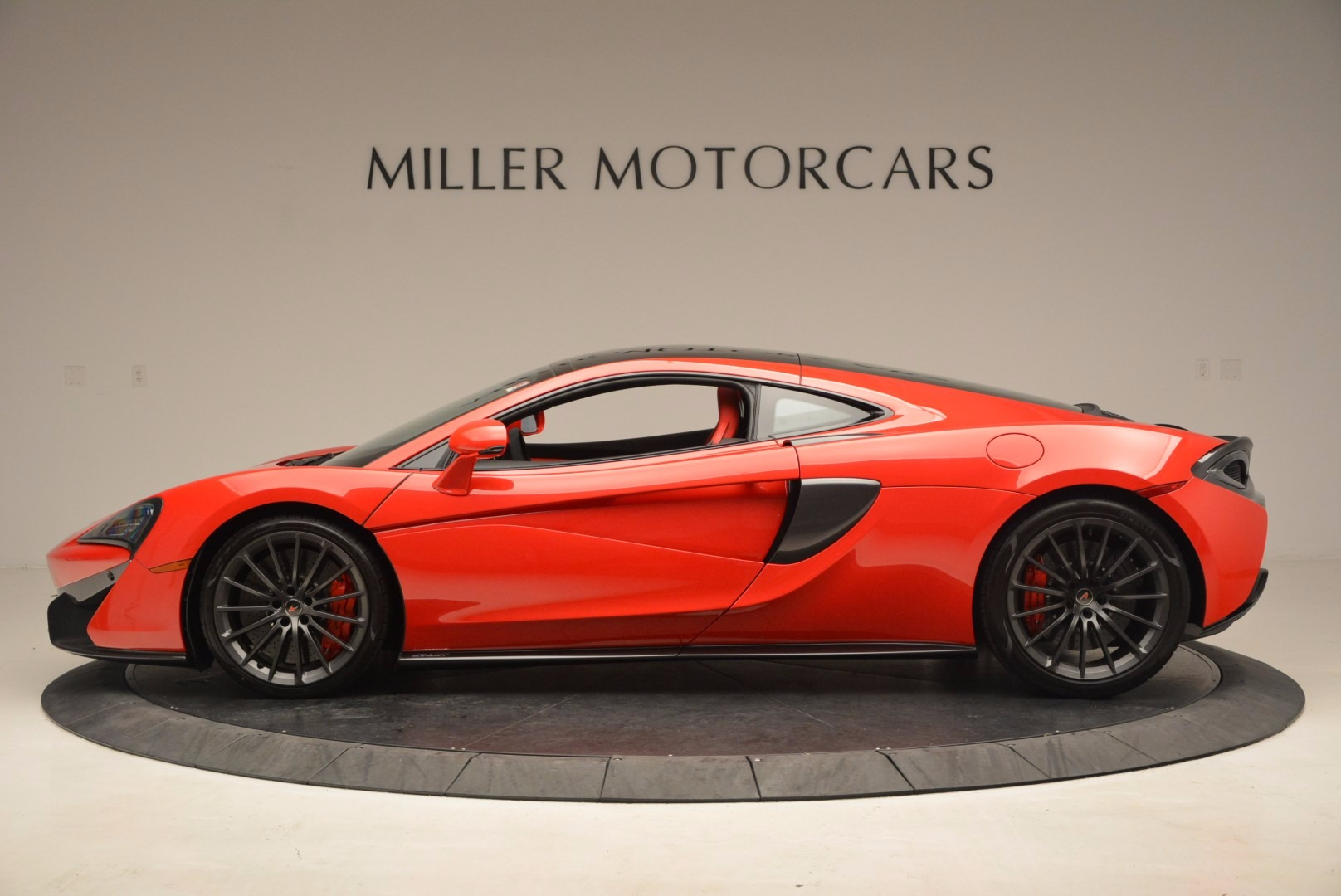 Used 2017 McLaren 570GT  For Sale In Westport, CT 1506_p3