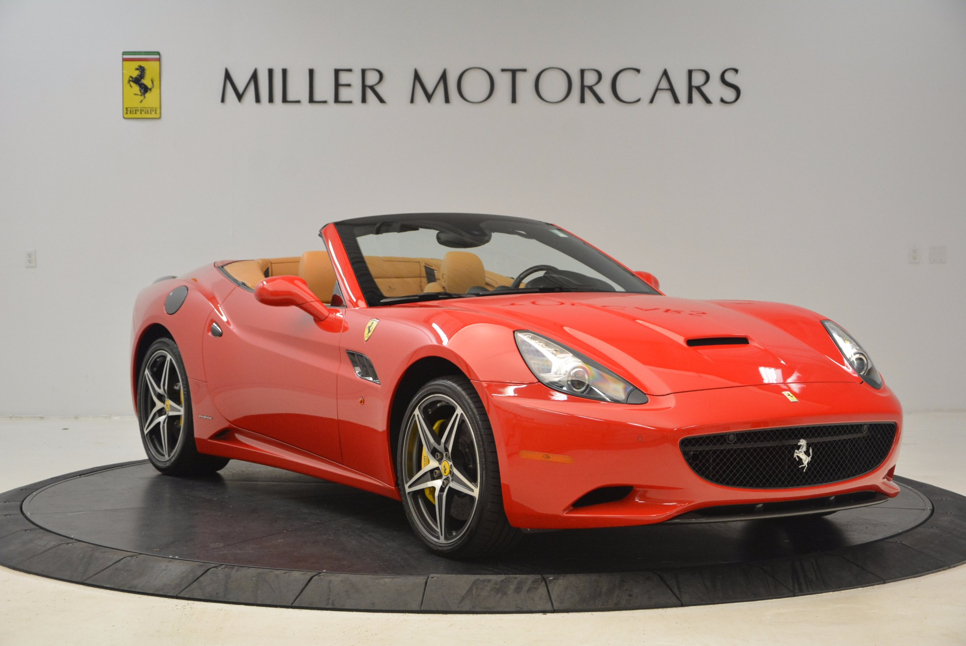 Used 2012 Ferrari California  For Sale In Westport, CT 1508_p11