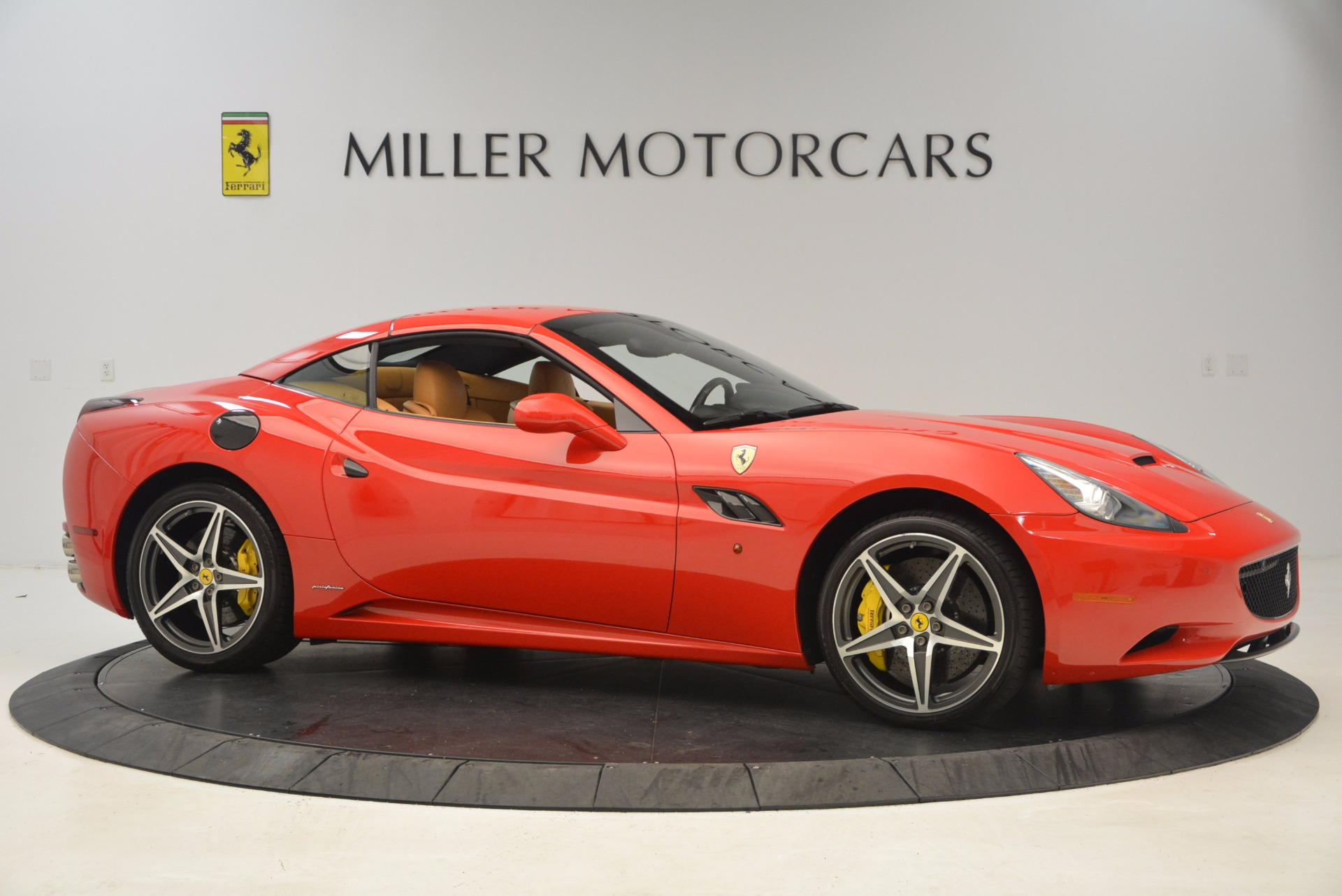 Used 2012 Ferrari California  For Sale In Westport, CT 1508_p16