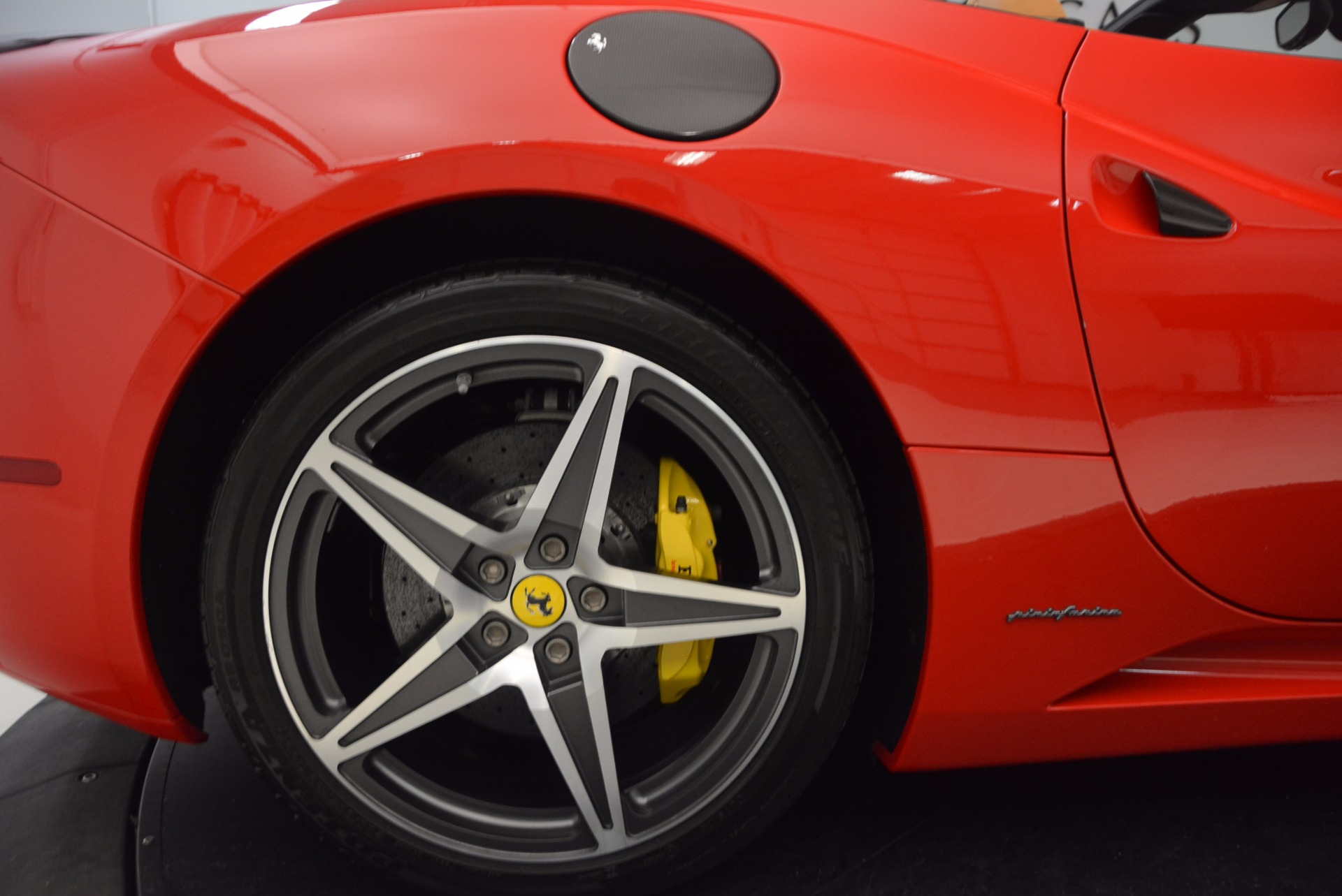 Used 2012 Ferrari California  For Sale In Westport, CT 1508_p23