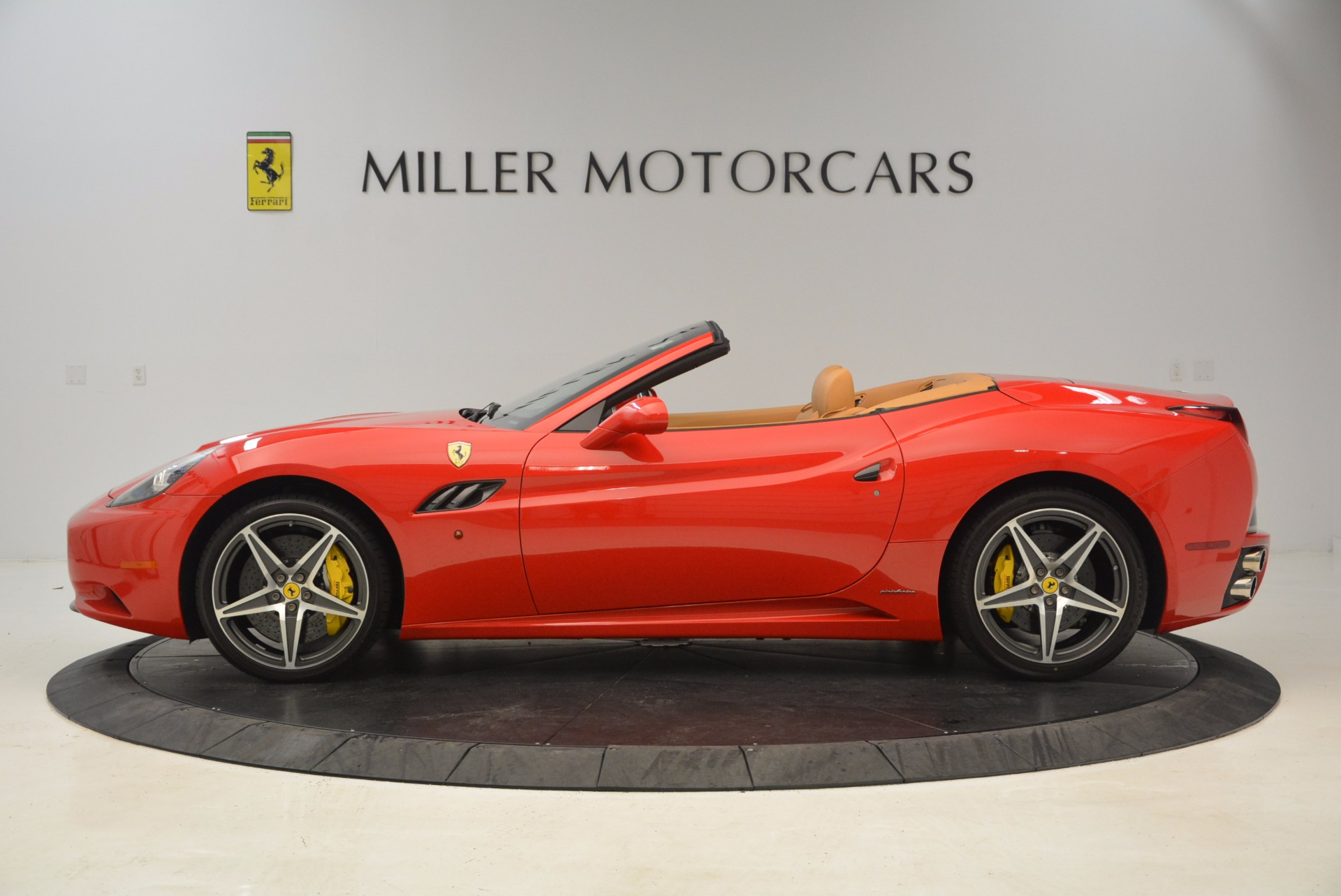 Used 2012 Ferrari California  For Sale In Westport, CT 1508_p3