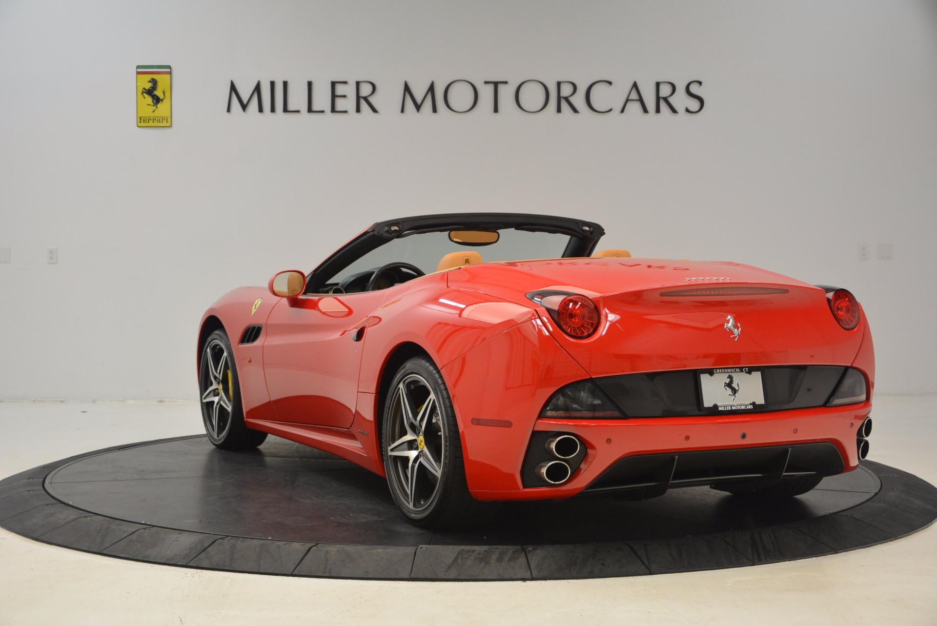 Used 2012 Ferrari California  For Sale In Westport, CT 1508_p5