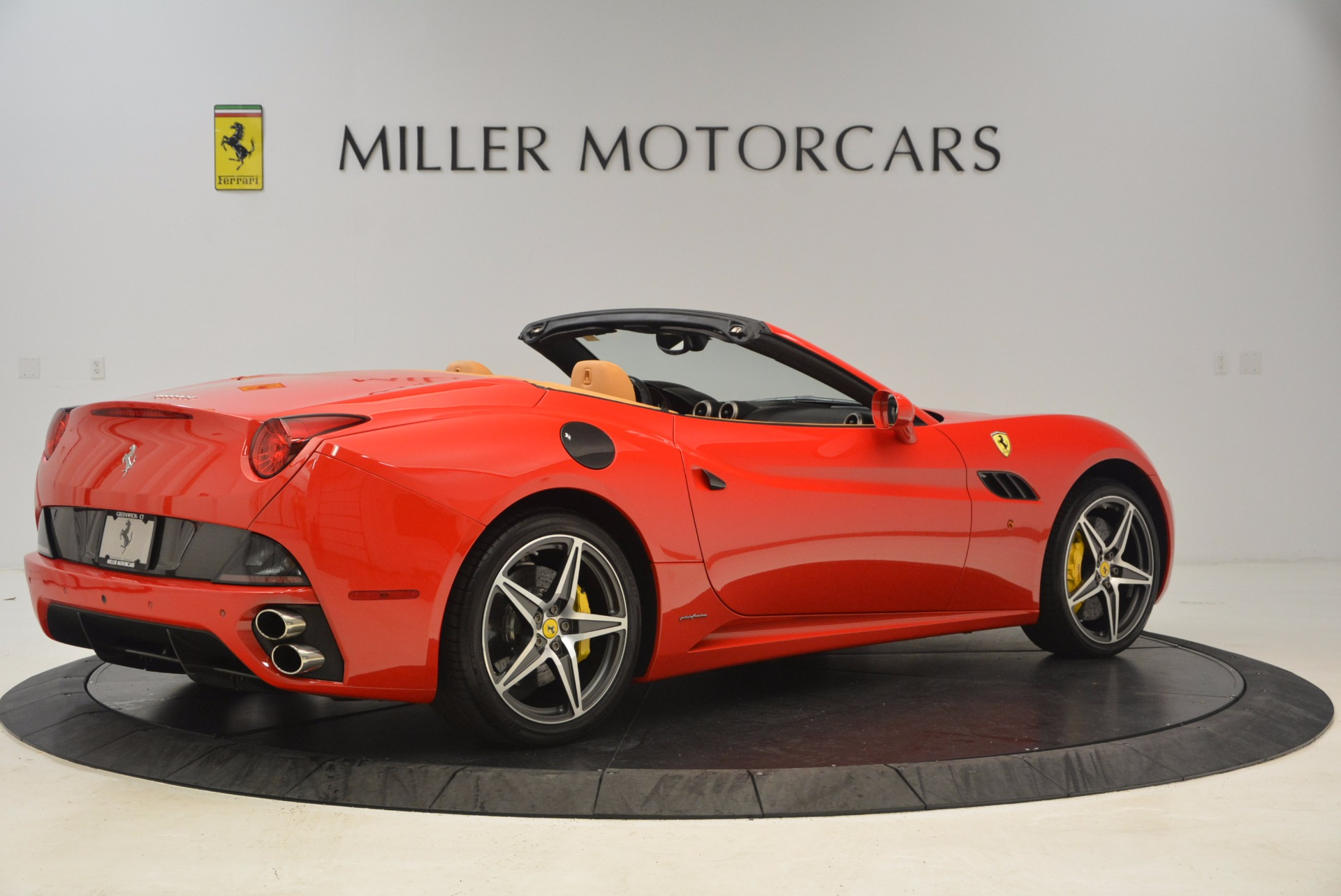 Used 2012 Ferrari California  For Sale In Westport, CT 1508_p8