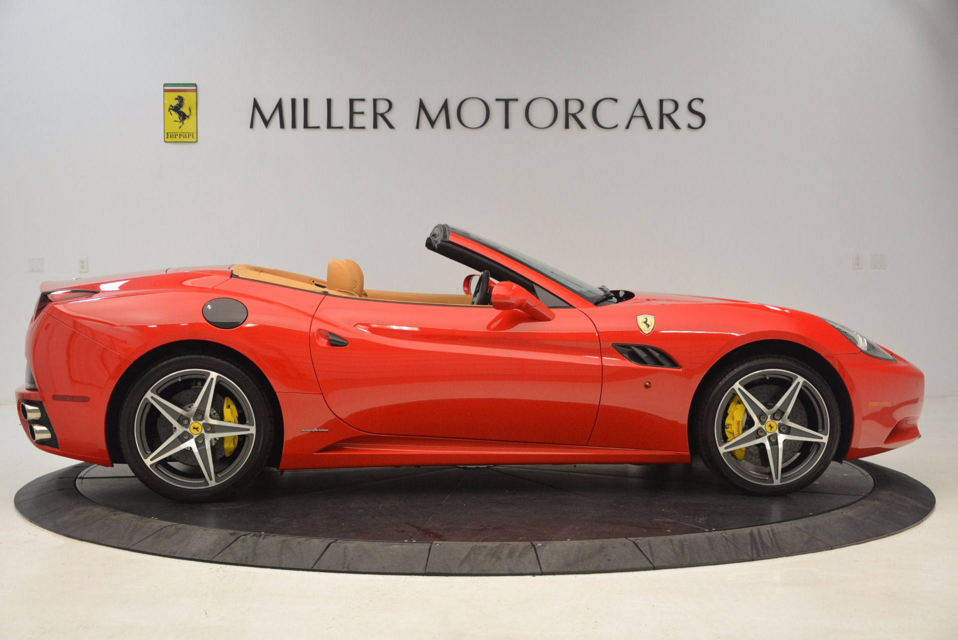 Used 2012 Ferrari California  For Sale In Westport, CT 1508_p9