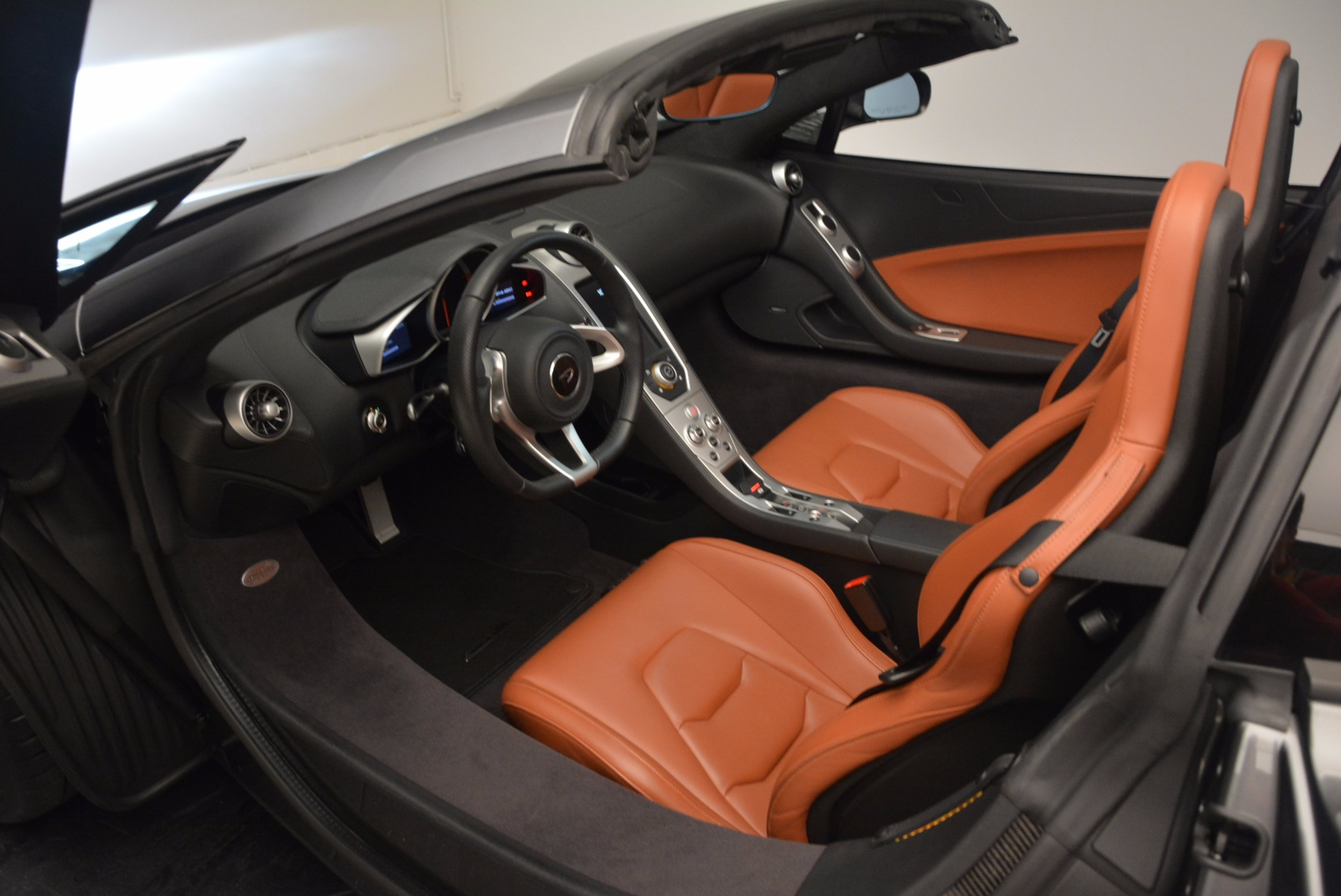 Used 2014 McLaren MP4-12C Spider  For Sale In Westport, CT 1510_p29