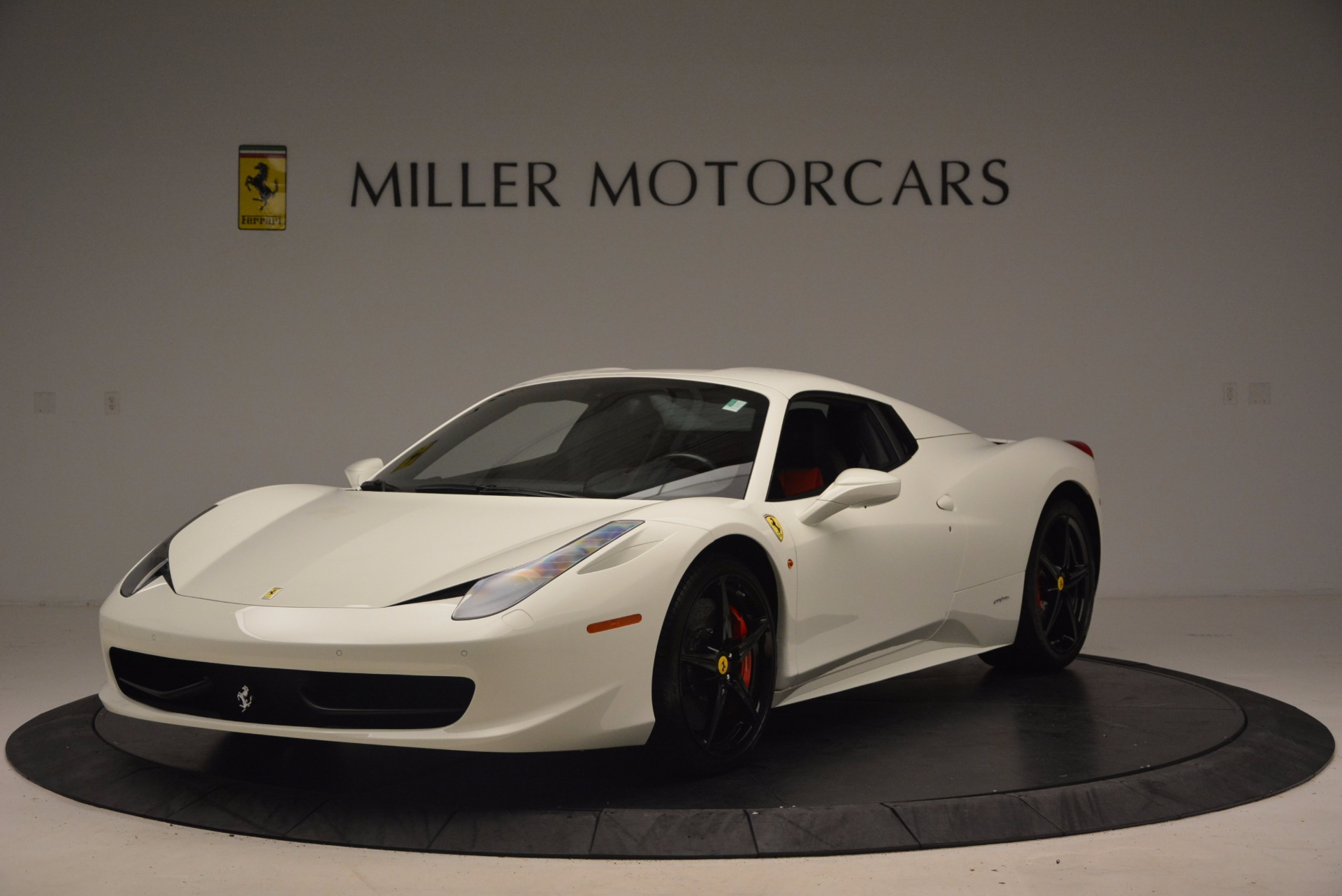 Used 2015 Ferrari 458 Spider  For Sale In Westport, CT 1534_p13