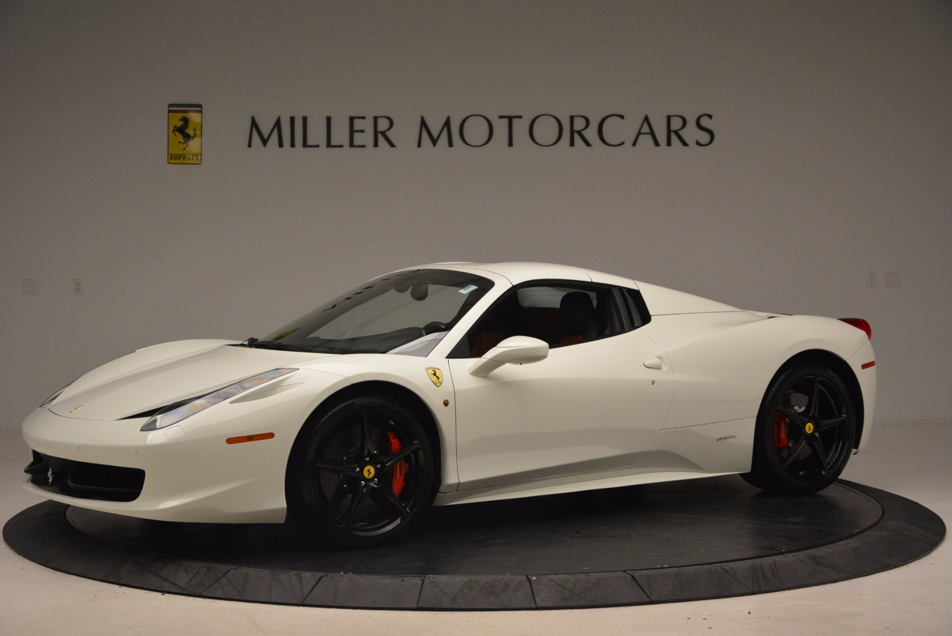 Used 2015 Ferrari 458 Spider  For Sale In Westport, CT 1534_p14
