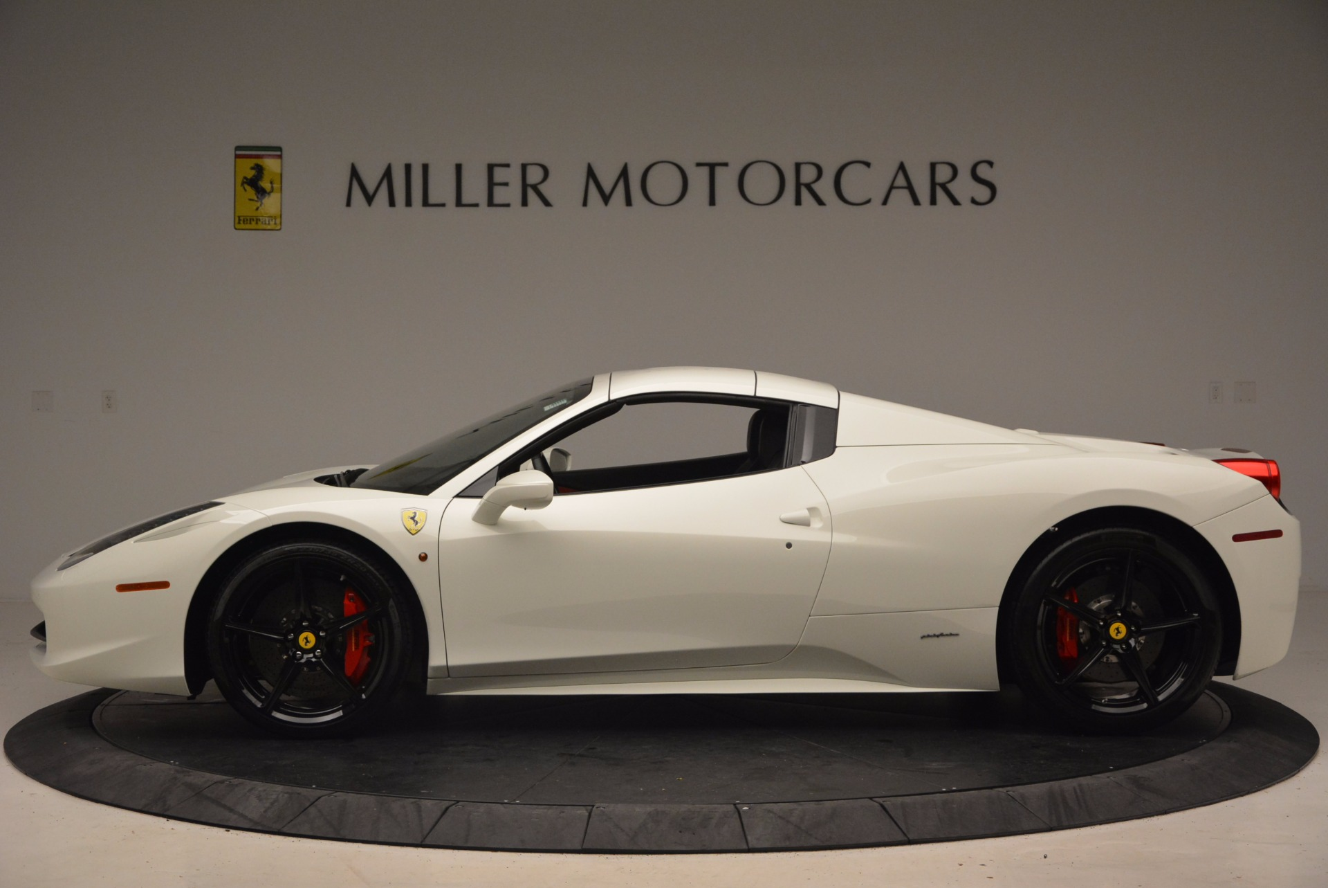 Used 2015 Ferrari 458 Spider  For Sale In Westport, CT 1534_p15